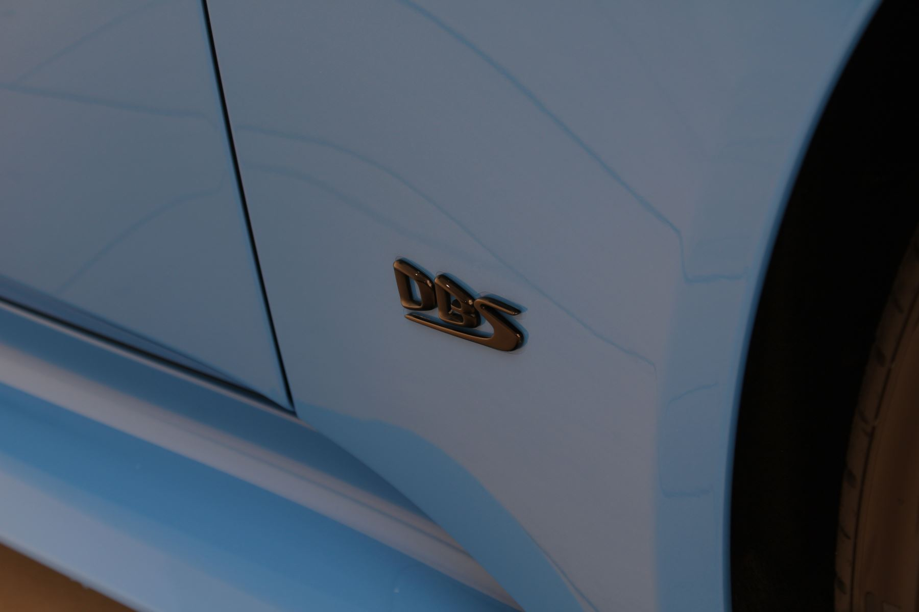 Aston Martin DBS V12 Superleggera Touchtronic Special Ceramic Blue - B&O image 15