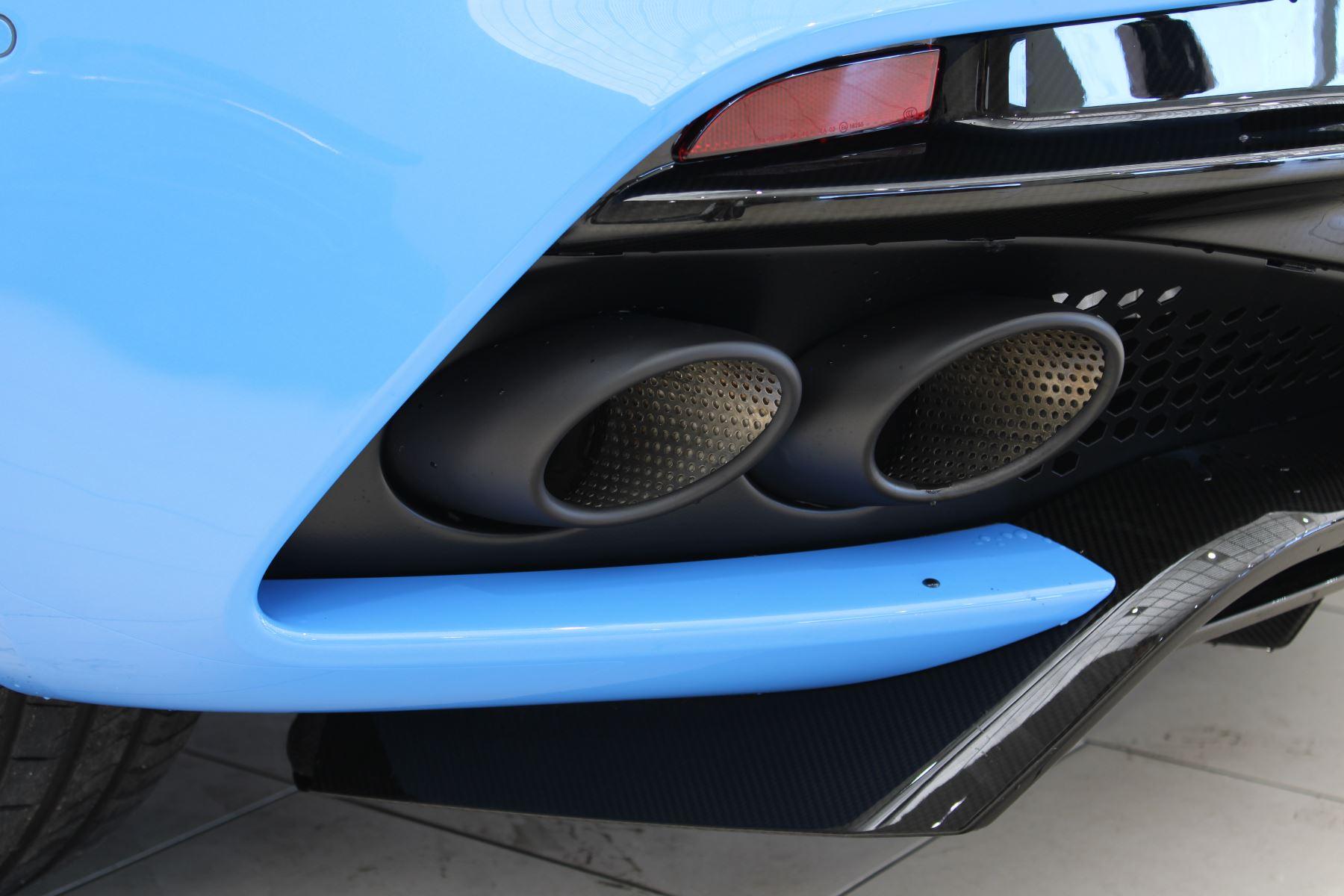 Aston Martin DBS V12 Superleggera Touchtronic Special Ceramic Blue - B&O image 16