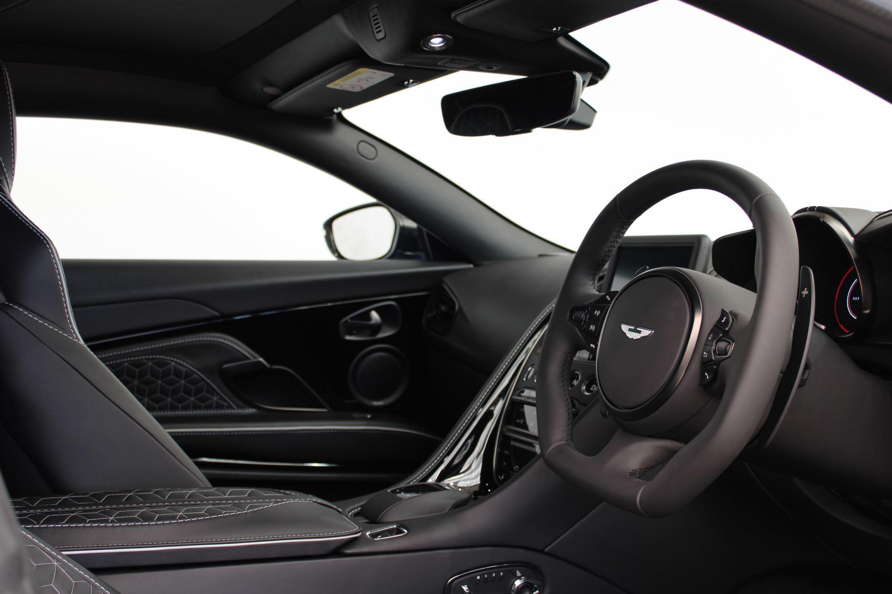 Aston Martin DBS V12 Superleggera Touchtronic Special Ceramic Blue - B&O image 23