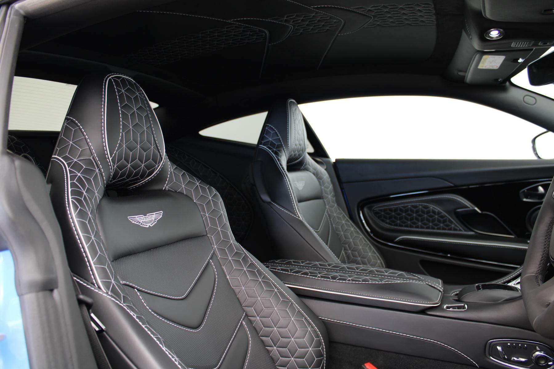 Aston Martin DBS V12 Superleggera Touchtronic Special Ceramic Blue - B&O image 25
