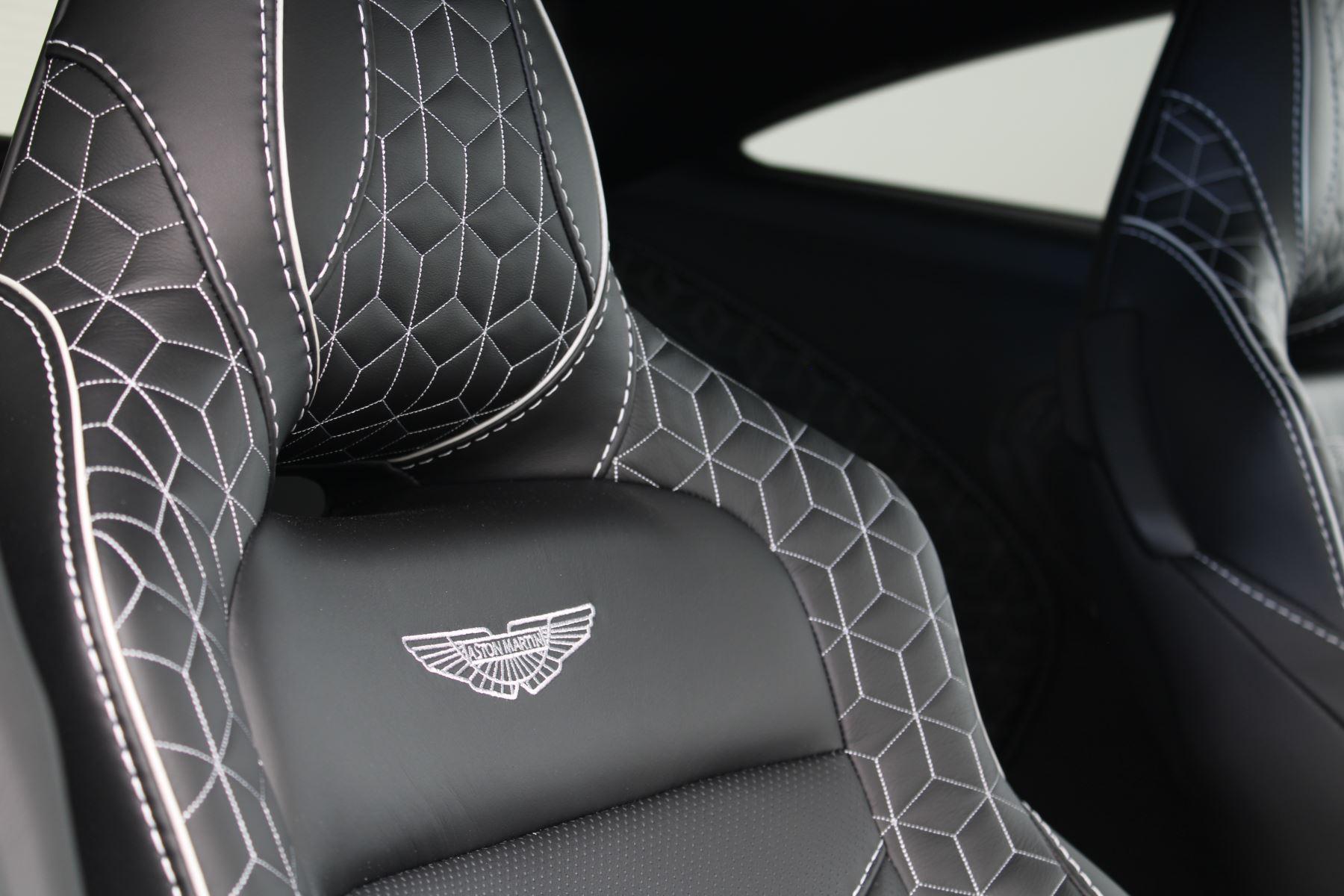 Aston Martin DBS V12 Superleggera Touchtronic Special Ceramic Blue - B&O image 26