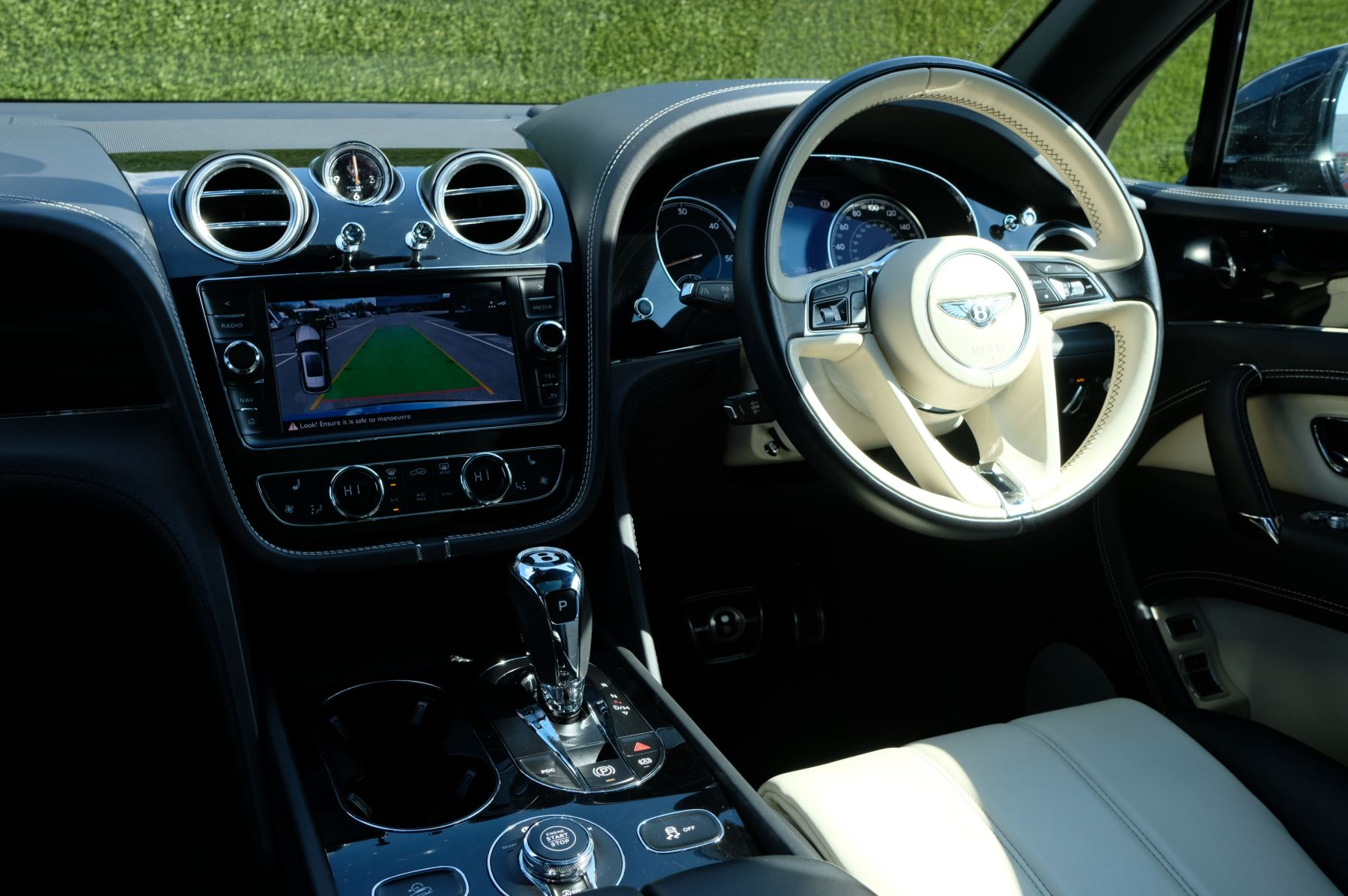 Bentley Bentayga 4.0 V8 5dr image 10