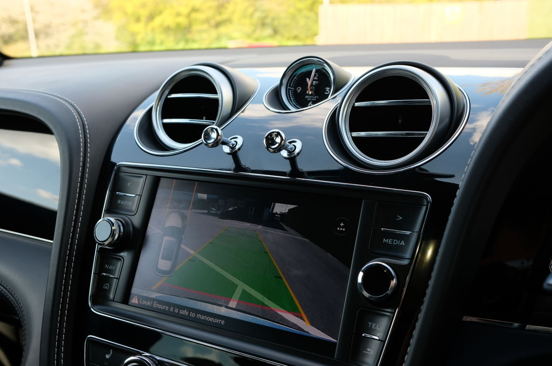 Bentley Bentayga 4.0 V8 5dr image 17