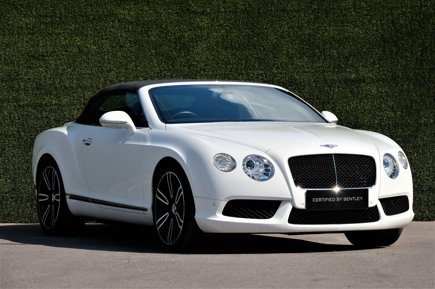 Bentley Continental GTC 4.0 V8 - Sports and Colour Specification image 1