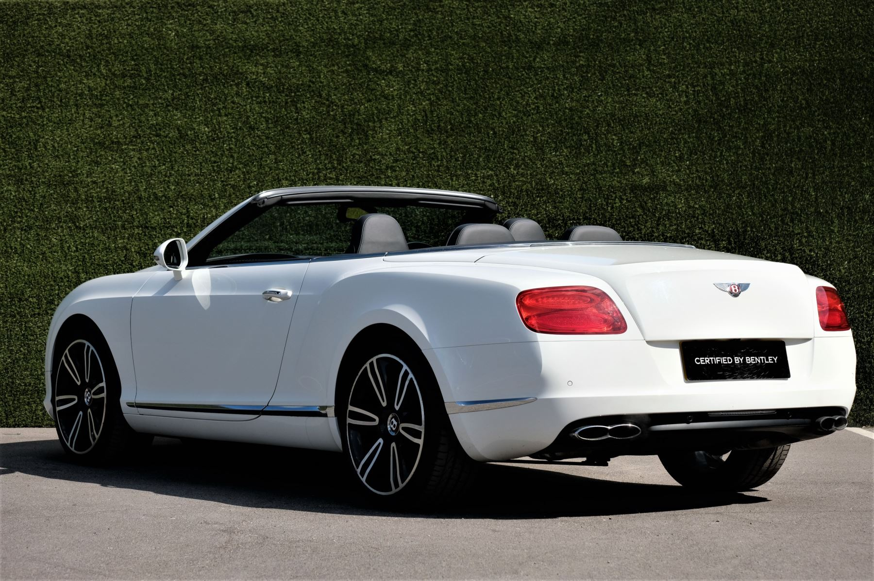 Bentley Continental GTC 4.0 V8 - Sports and Colour Specification image 5