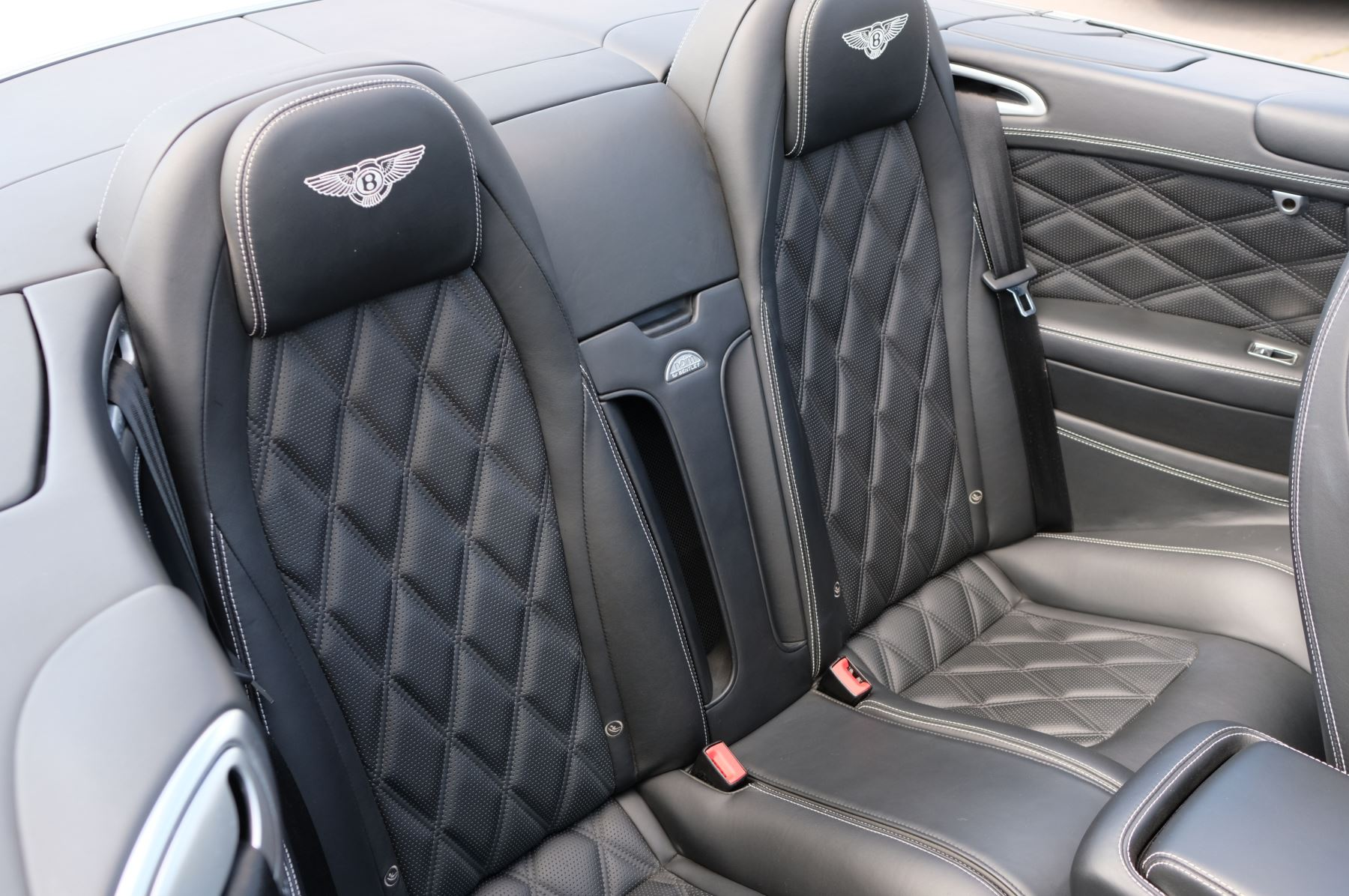 Bentley Continental GTC 4.0 V8 - Sports and Colour Specification image 13
