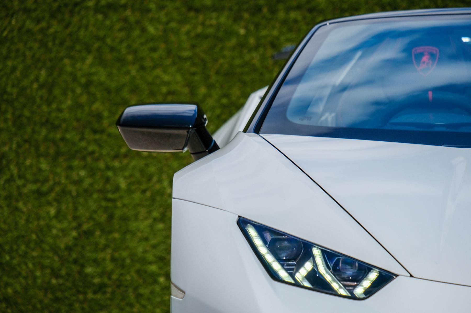Lamborghini Huracan Performante Spyder 5.2 V10 AWD image 10