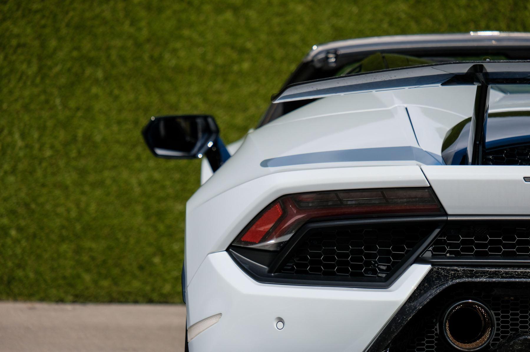 Lamborghini Huracan Performante Spyder 5.2 V10 AWD image 11