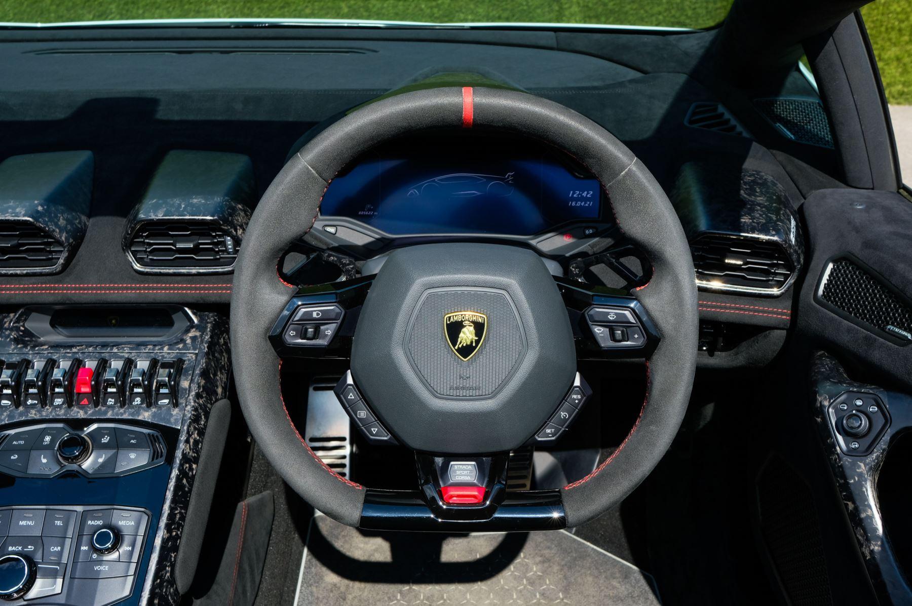 Lamborghini Huracan Performante Spyder 5.2 V10 AWD image 14