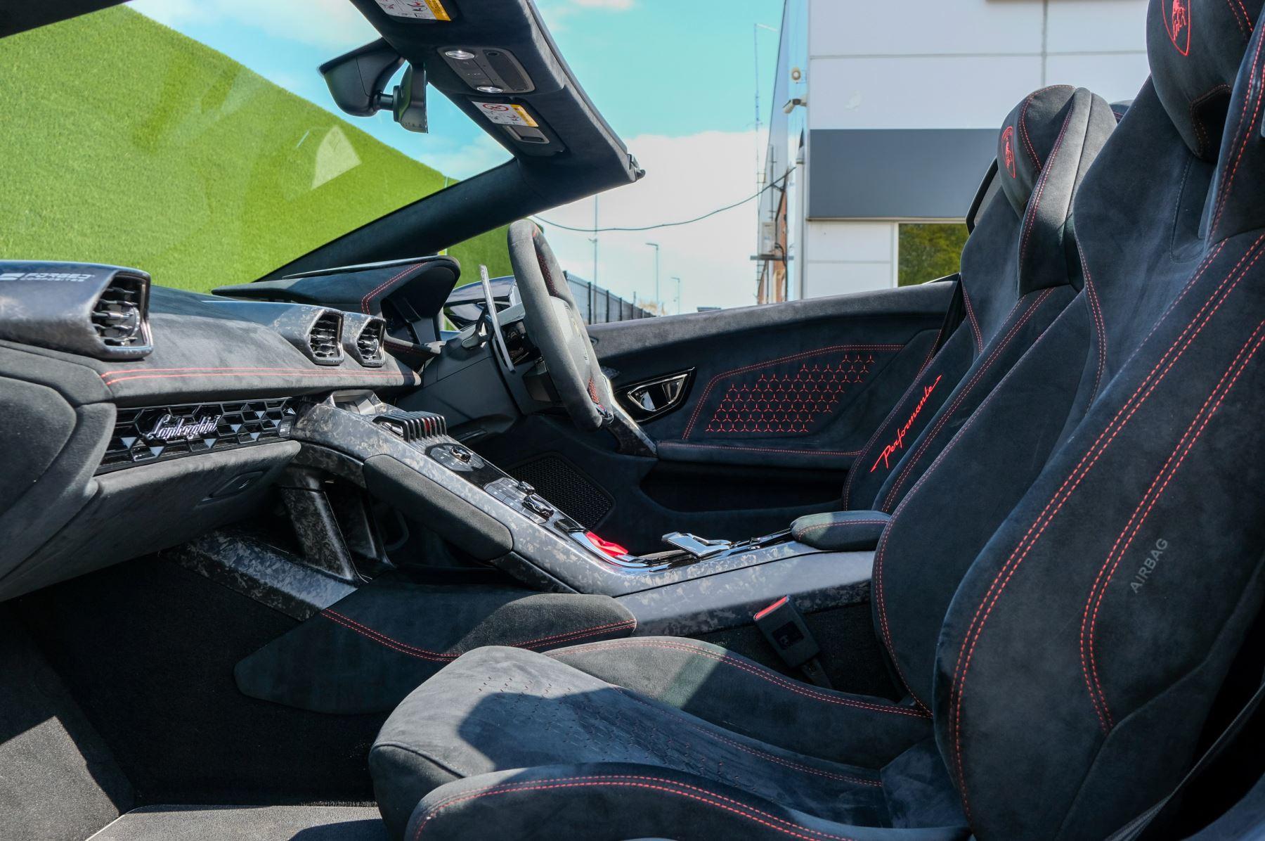 Lamborghini Huracan Performante Spyder 5.2 V10 AWD image 6