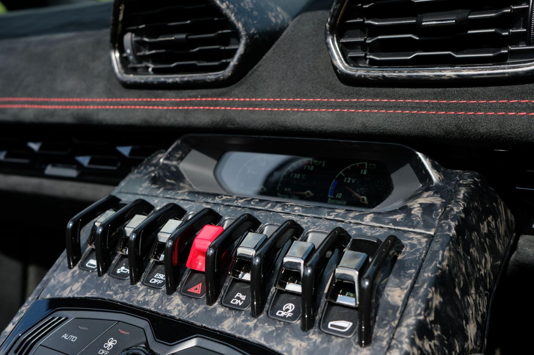 Lamborghini Huracan Performante Spyder 5.2 V10 AWD image 17