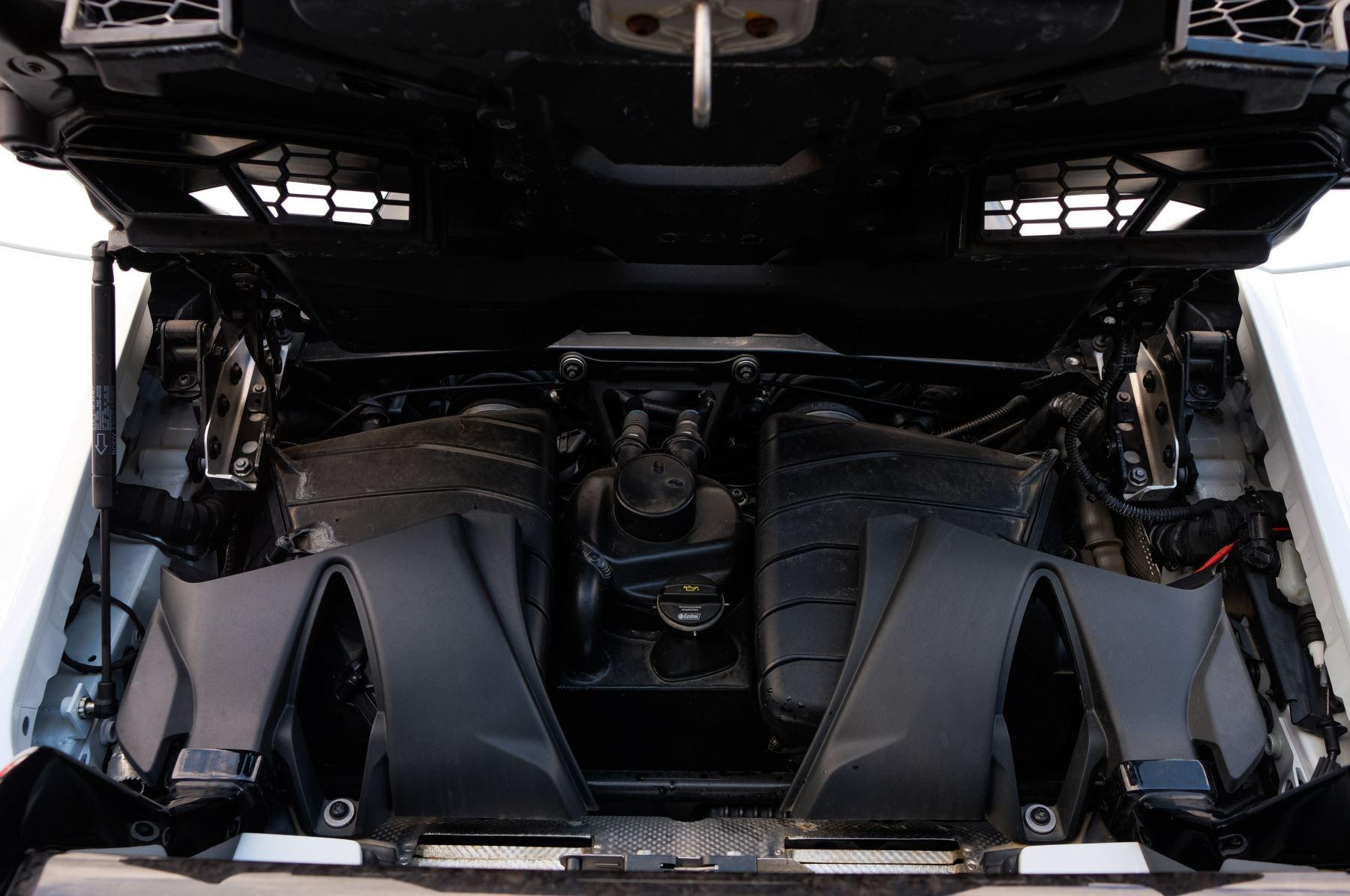 Lamborghini Huracan Performante Spyder 5.2 V10 AWD image 8