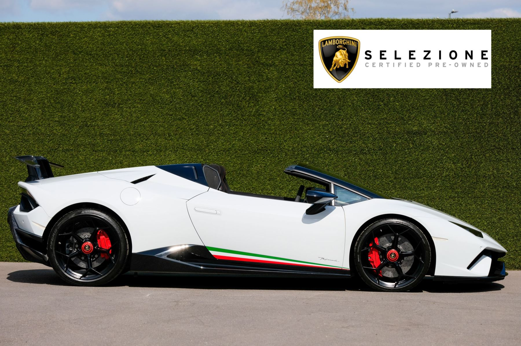 Lamborghini Huracan Performante Spyder 5.2 V10 AWD image 2