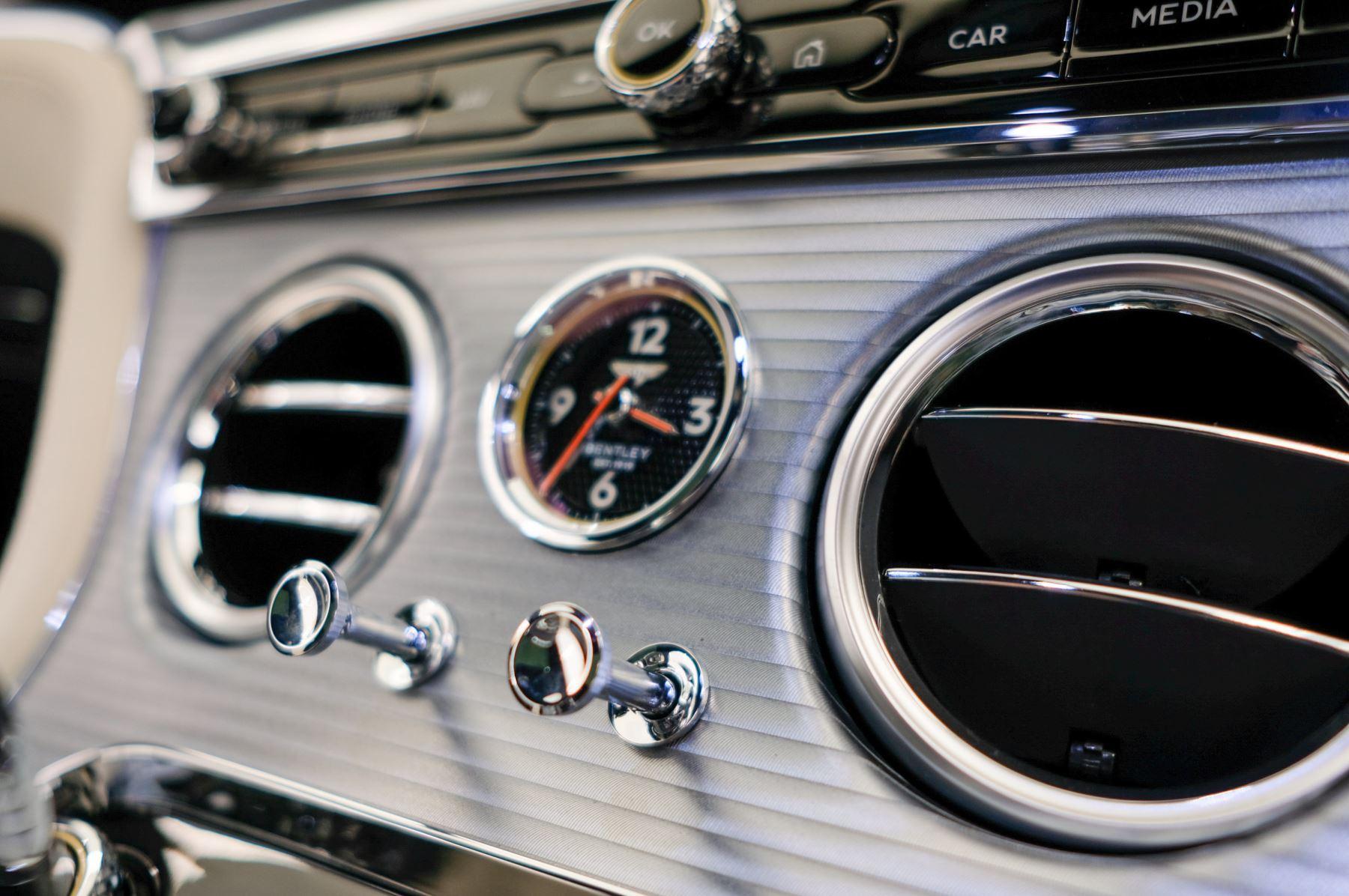 Bentley Continental GT 4.0 V8 2dr Auto image 24