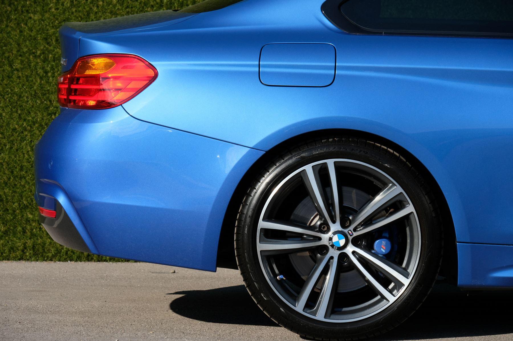 BMW 4 Series 430d M Sport 2dr [Professional Media] image 10