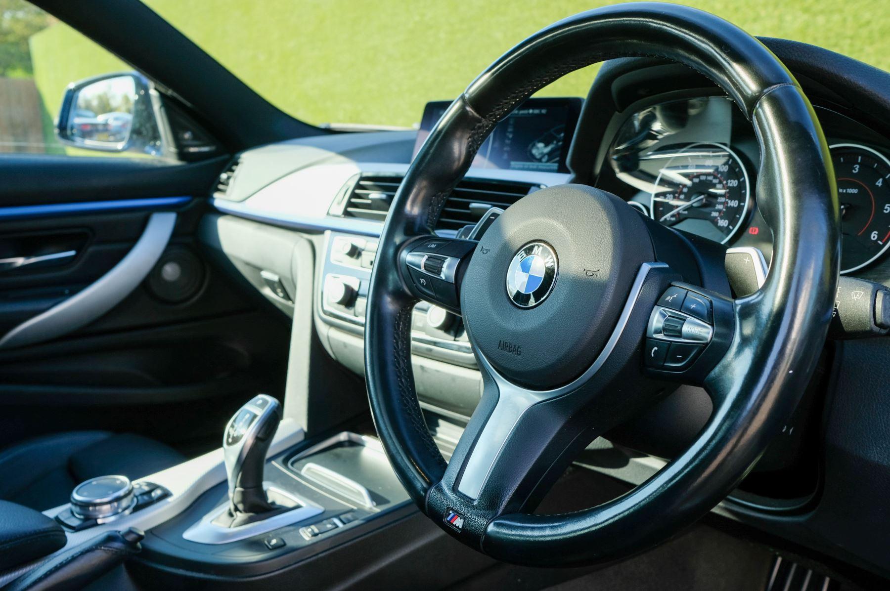 BMW 4 Series 430d M Sport 2dr [Professional Media] image 19