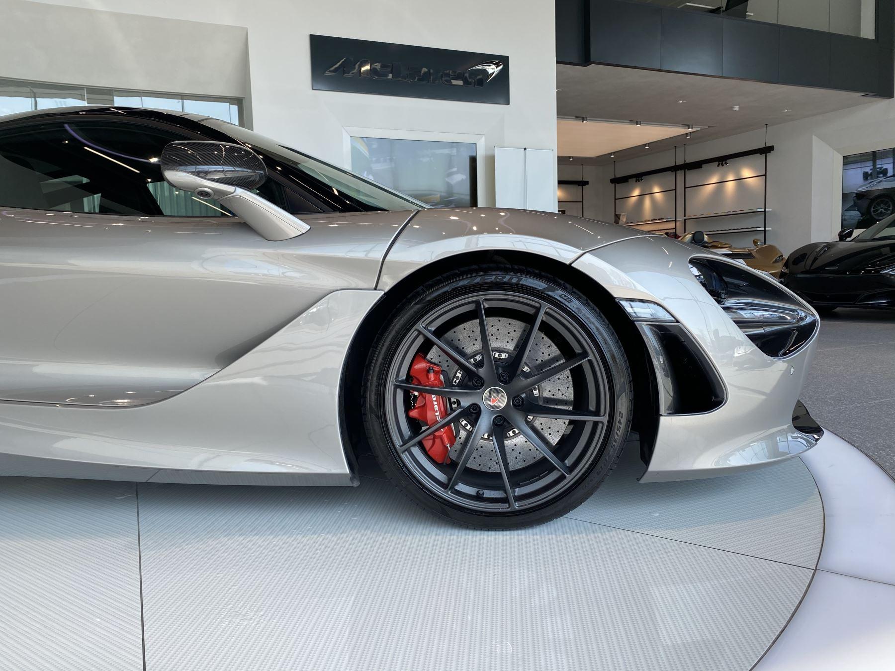 McLaren 720S 4.V8 2 DR PERFORMANCE image 16