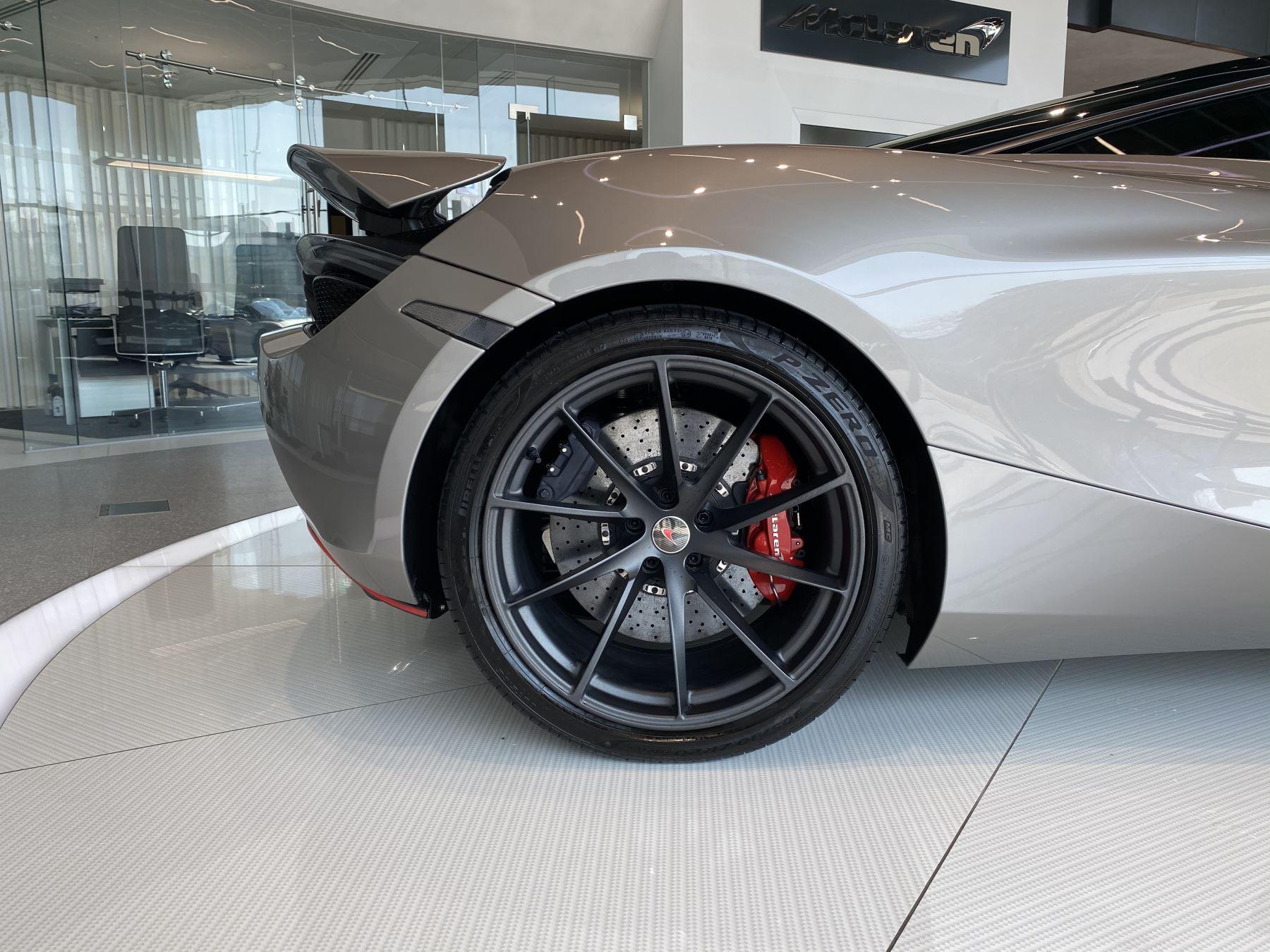 McLaren 720S 4.V8 2 DR PERFORMANCE image 17
