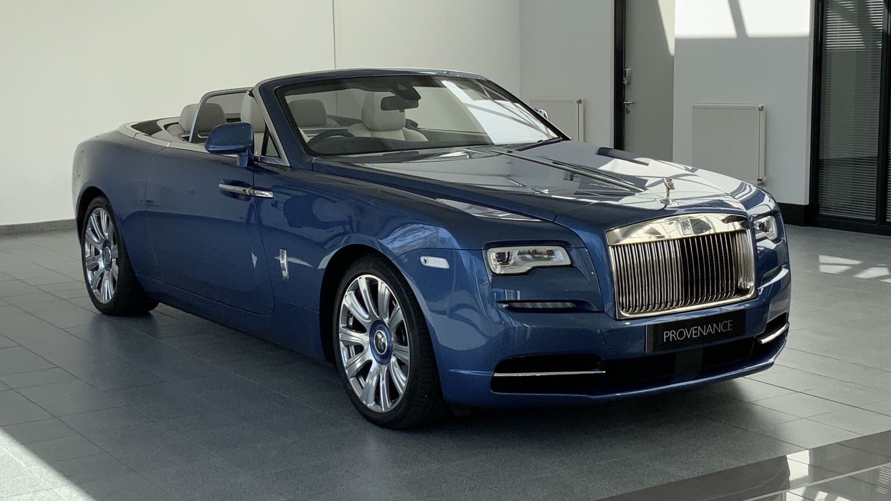 Rolls-Royce Dawn 2dr Auto 6.6 Automatic Convertible (2017) image