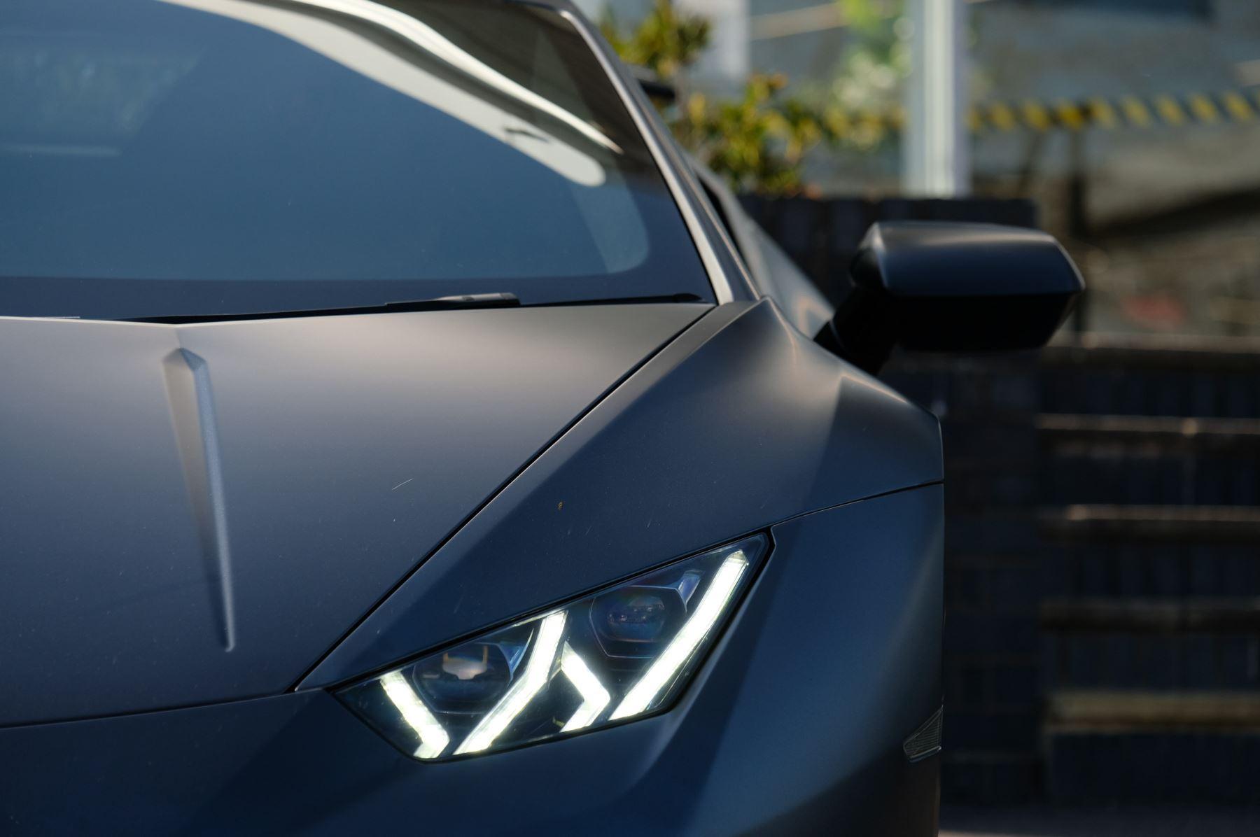 Lamborghini Huracan Performante LP 640-4 2dr LDF - Carbon Ceramic Brakes - Carbon Fiber Features - Comfort Seats image 10