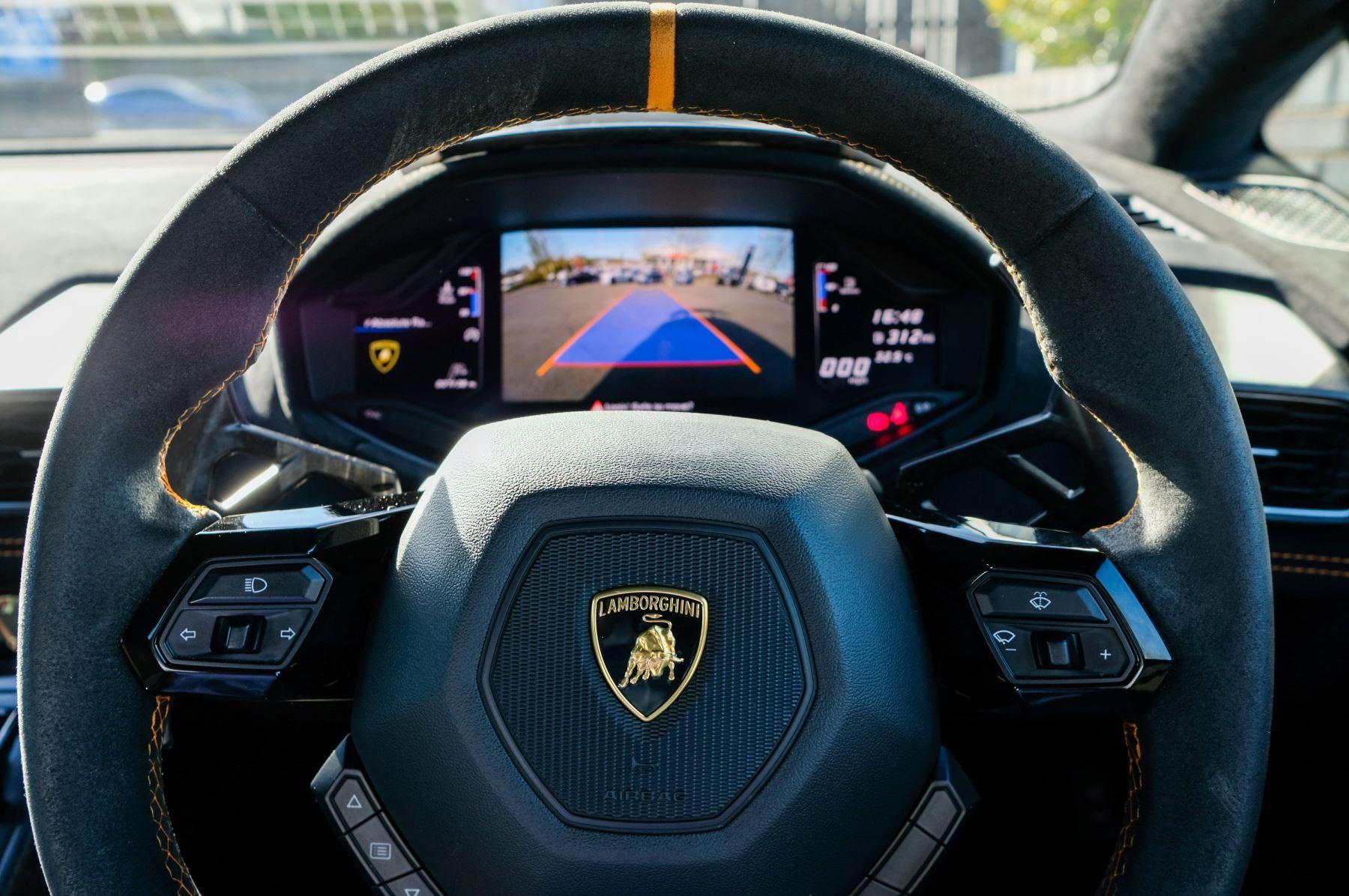 Lamborghini Huracan Performante LP 640-4 2dr LDF - Carbon Ceramic Brakes - Carbon Fiber Features - Comfort Seats image 22