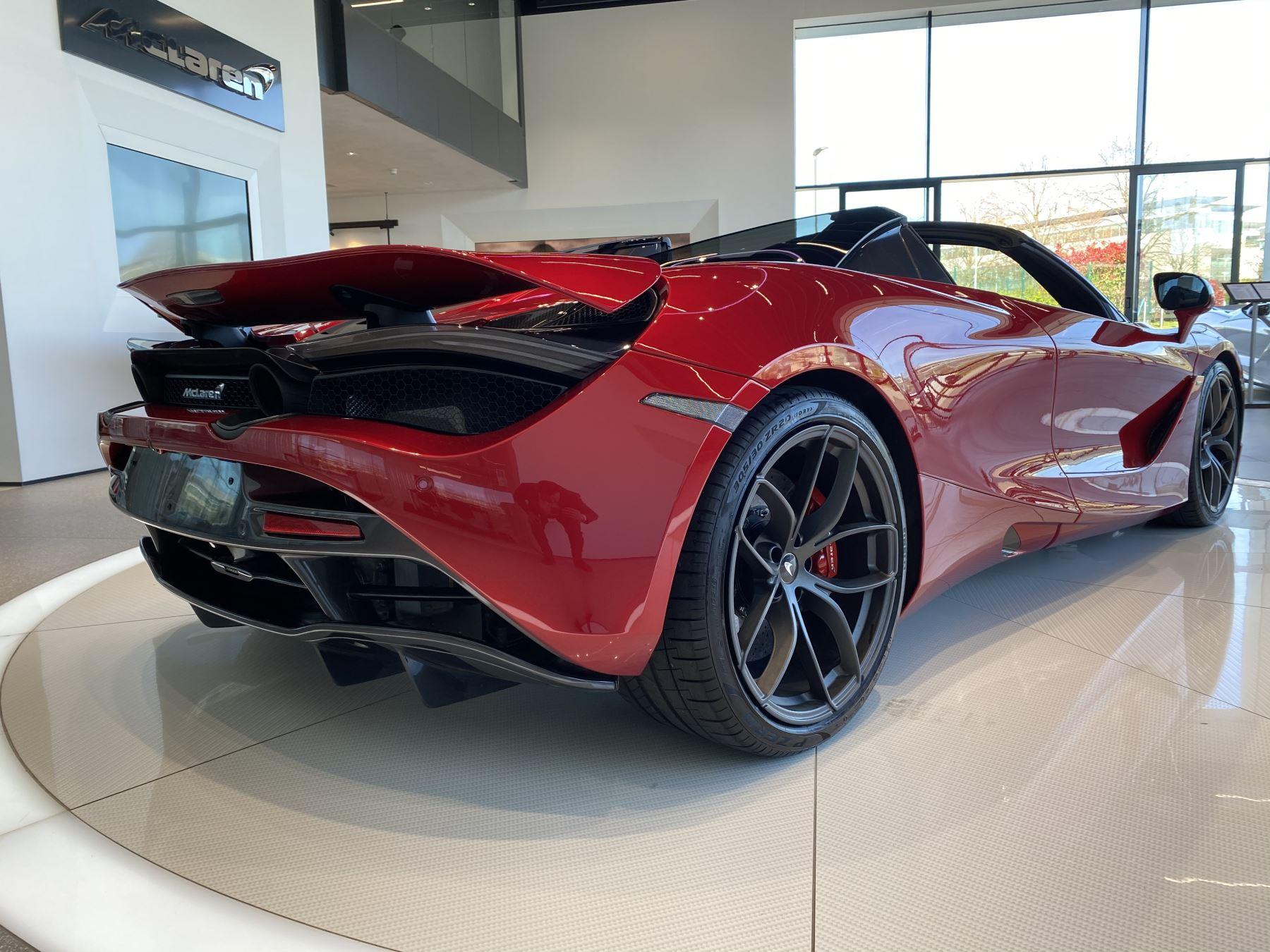 McLaren 720S Spider V8 2dr SSG image 9