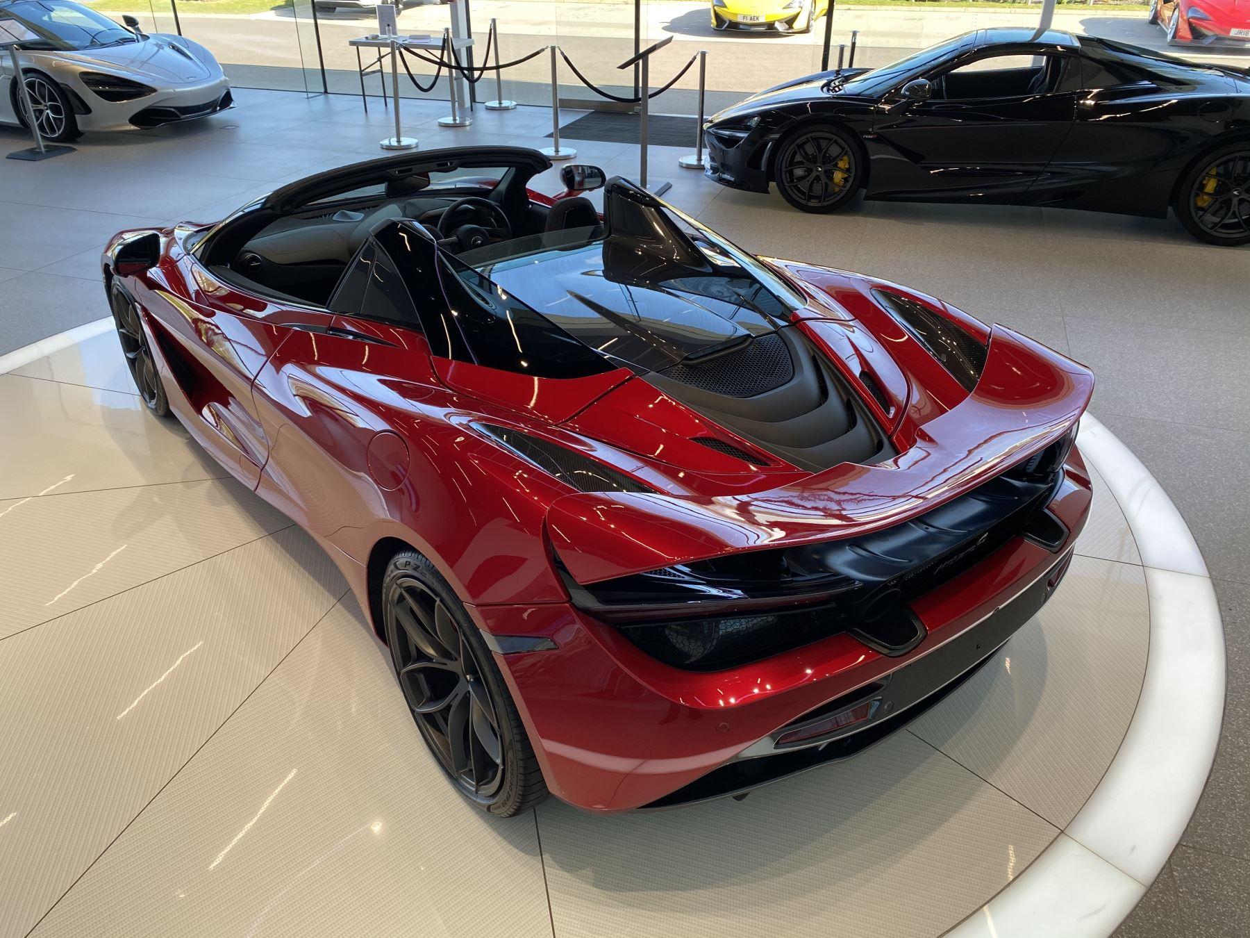 McLaren 720S Spider V8 2dr SSG image 12