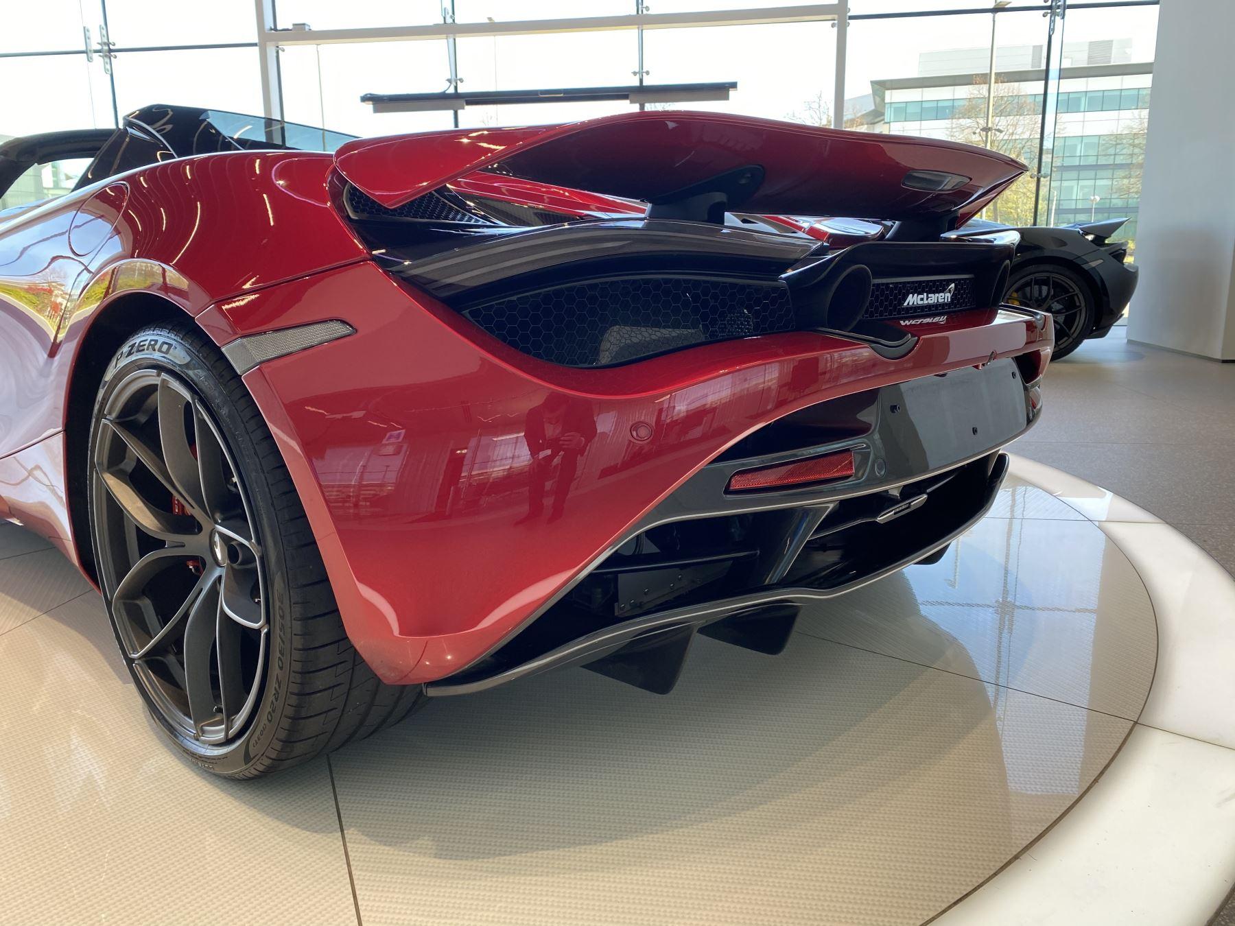 McLaren 720S Spider V8 2dr SSG image 14
