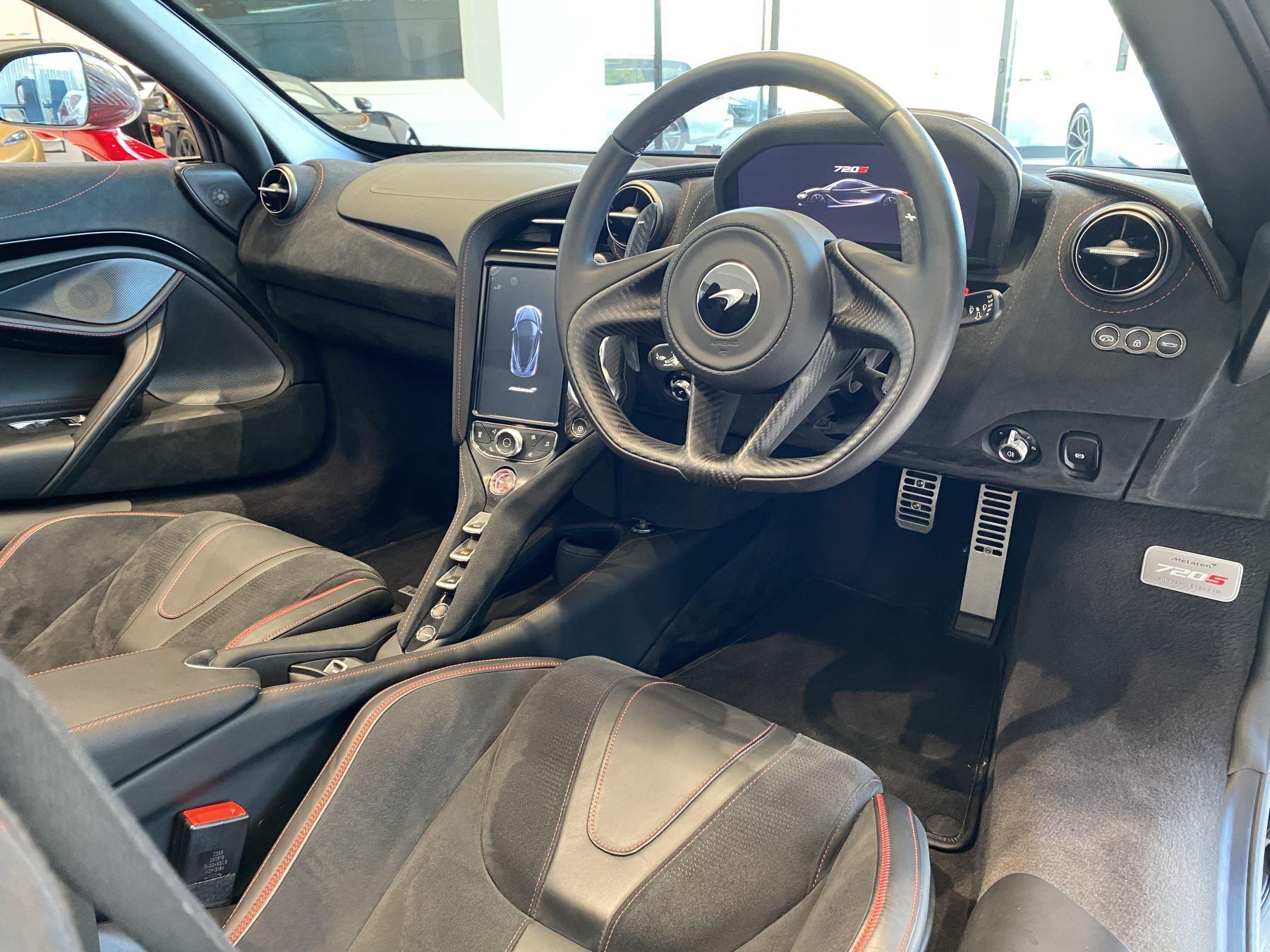 McLaren 720S Spider V8 2dr SSG image 17