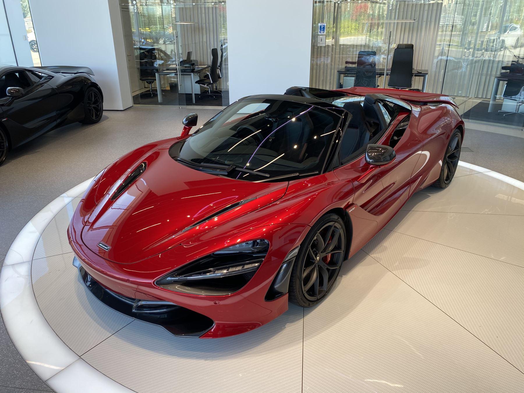 McLaren 720S Spider V8 2dr SSG image 20