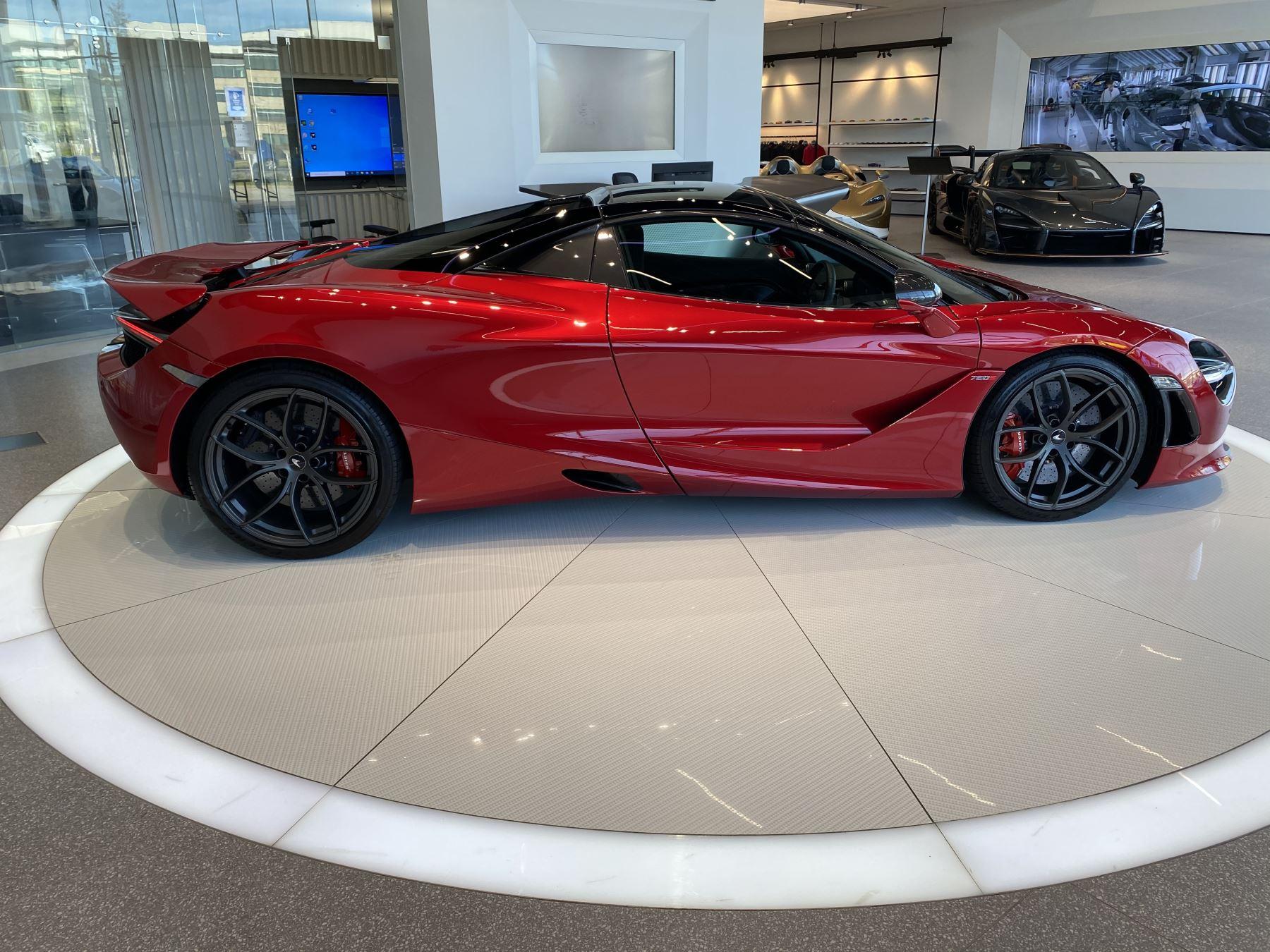 McLaren 720S Spider V8 2dr SSG image 26