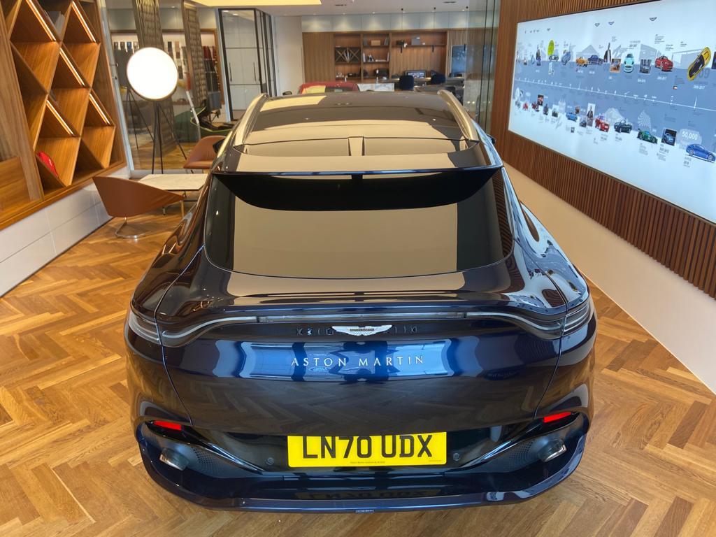 Aston Martin DBX V8 550 Touchtronic image 14