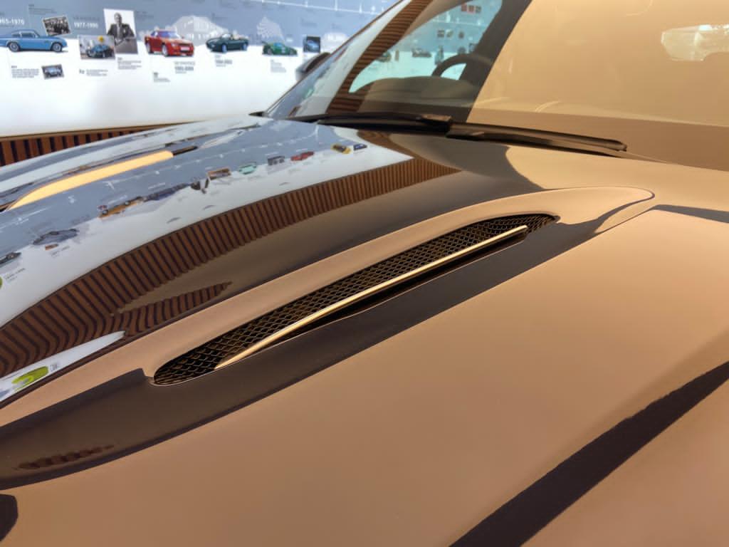 Aston Martin DBX V8 550 Touchtronic image 18