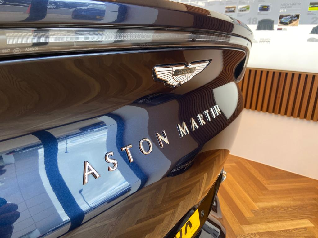Aston Martin DBX V8 550 Touchtronic image 19
