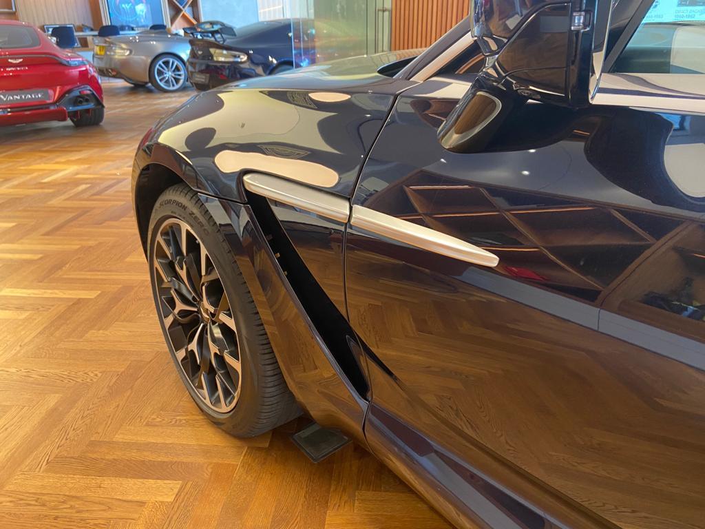 Aston Martin DBX V8 550 Touchtronic image 20