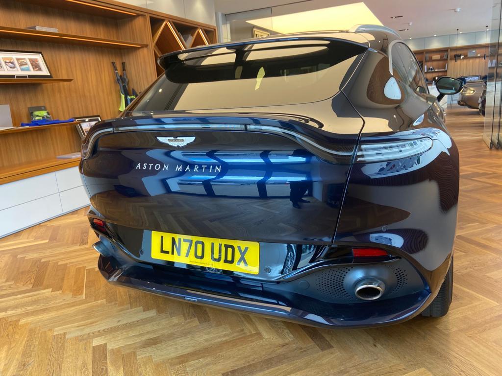 Aston Martin DBX V8 550 Touchtronic image 21