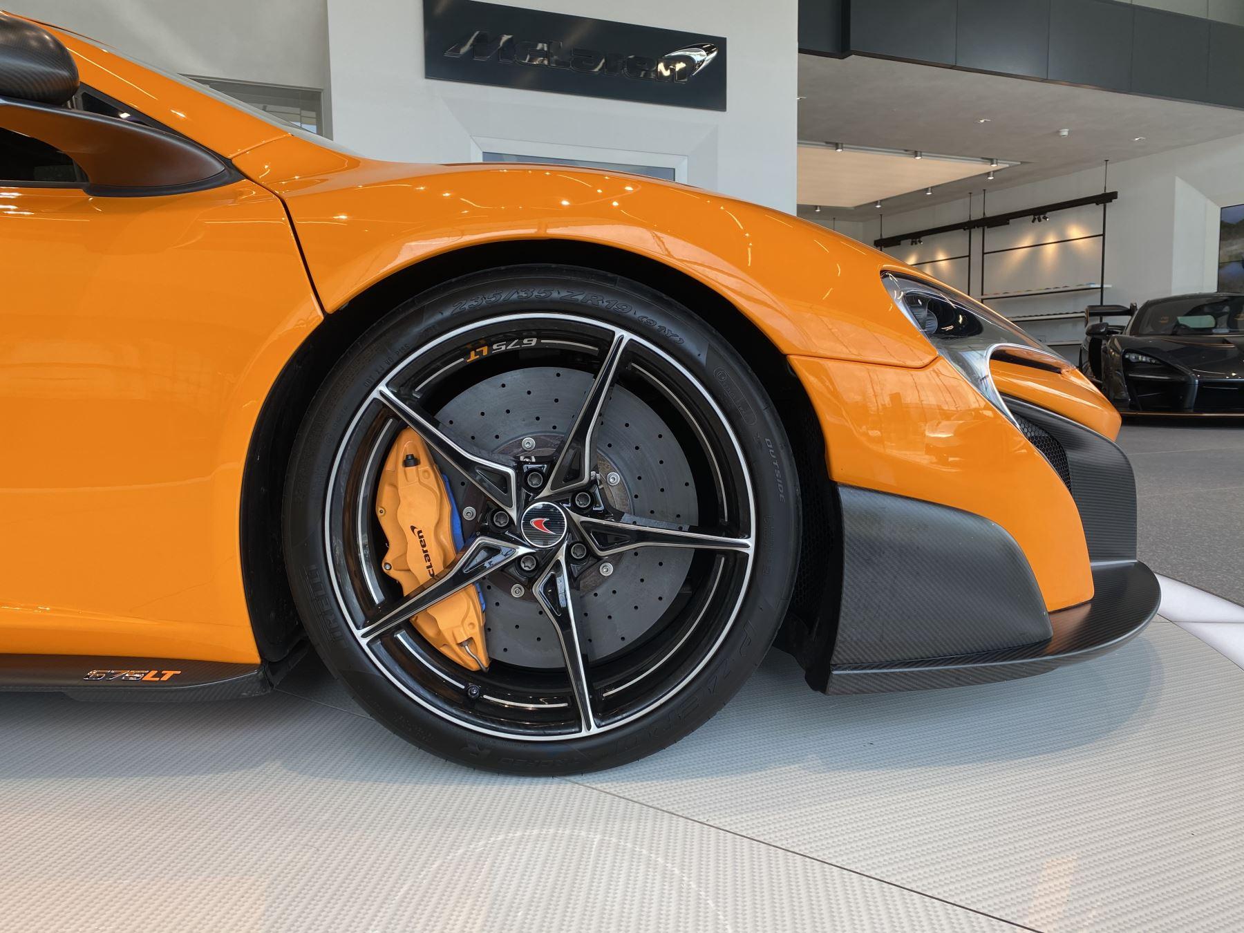 McLaren 675LT COUPE CLUBSPORT PACK image 7