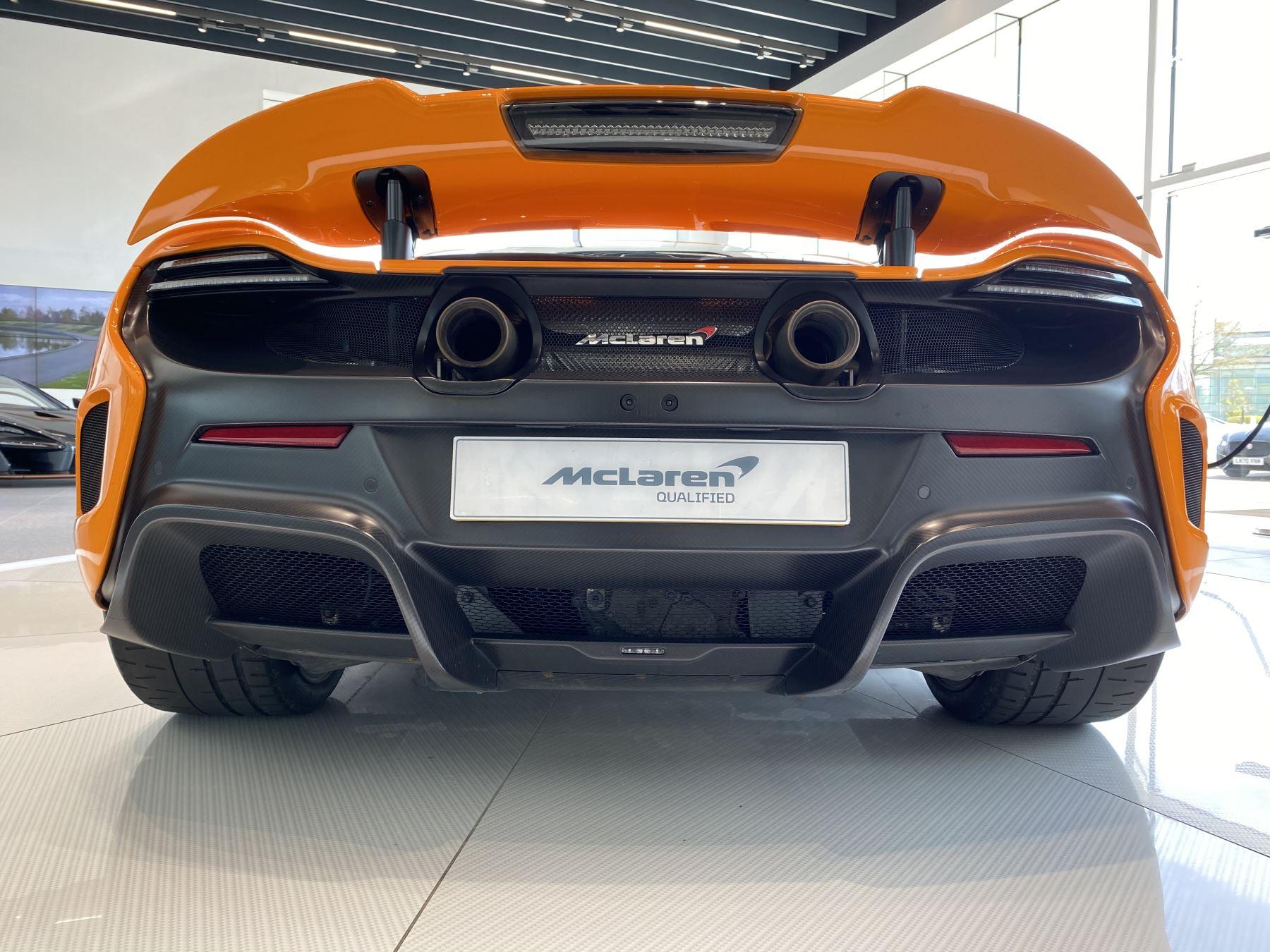 McLaren 675LT COUPE CLUBSPORT PACK image 8