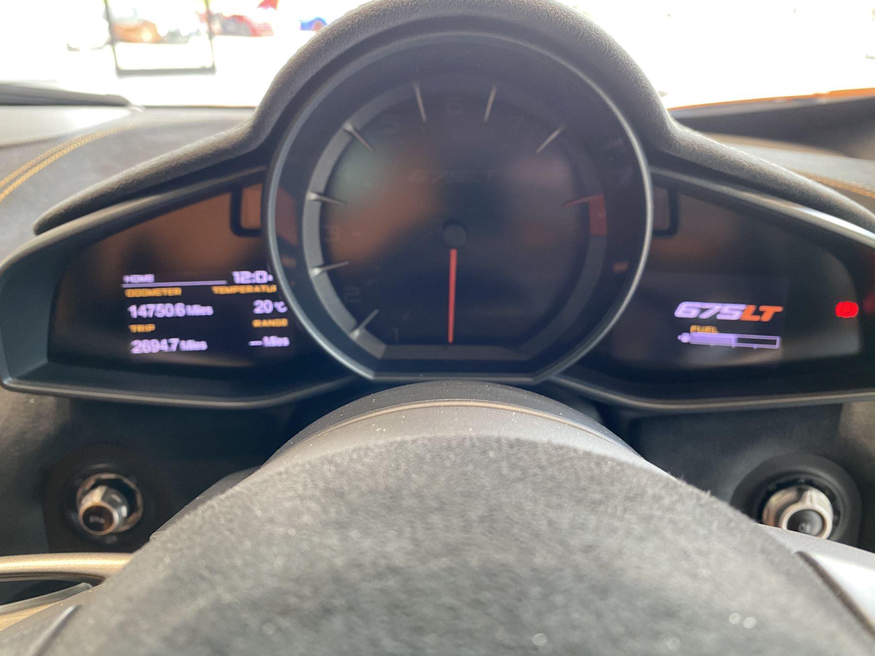 McLaren 675LT COUPE CLUBSPORT PACK image 23