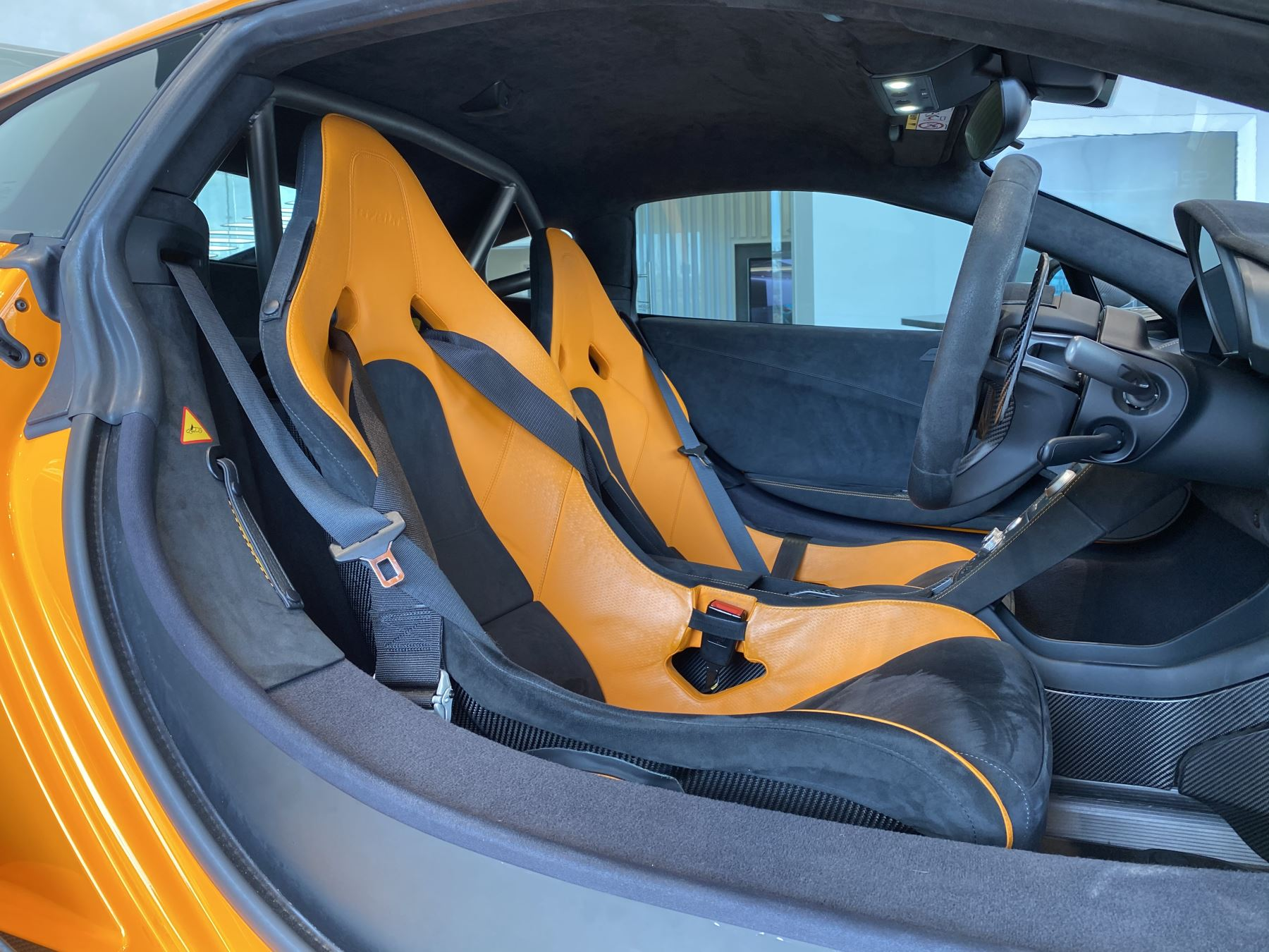 McLaren 675LT COUPE CLUBSPORT PACK image 24