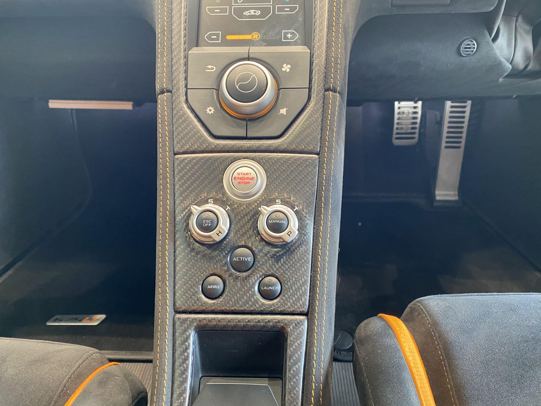 McLaren 675LT COUPE CLUBSPORT PACK image 30
