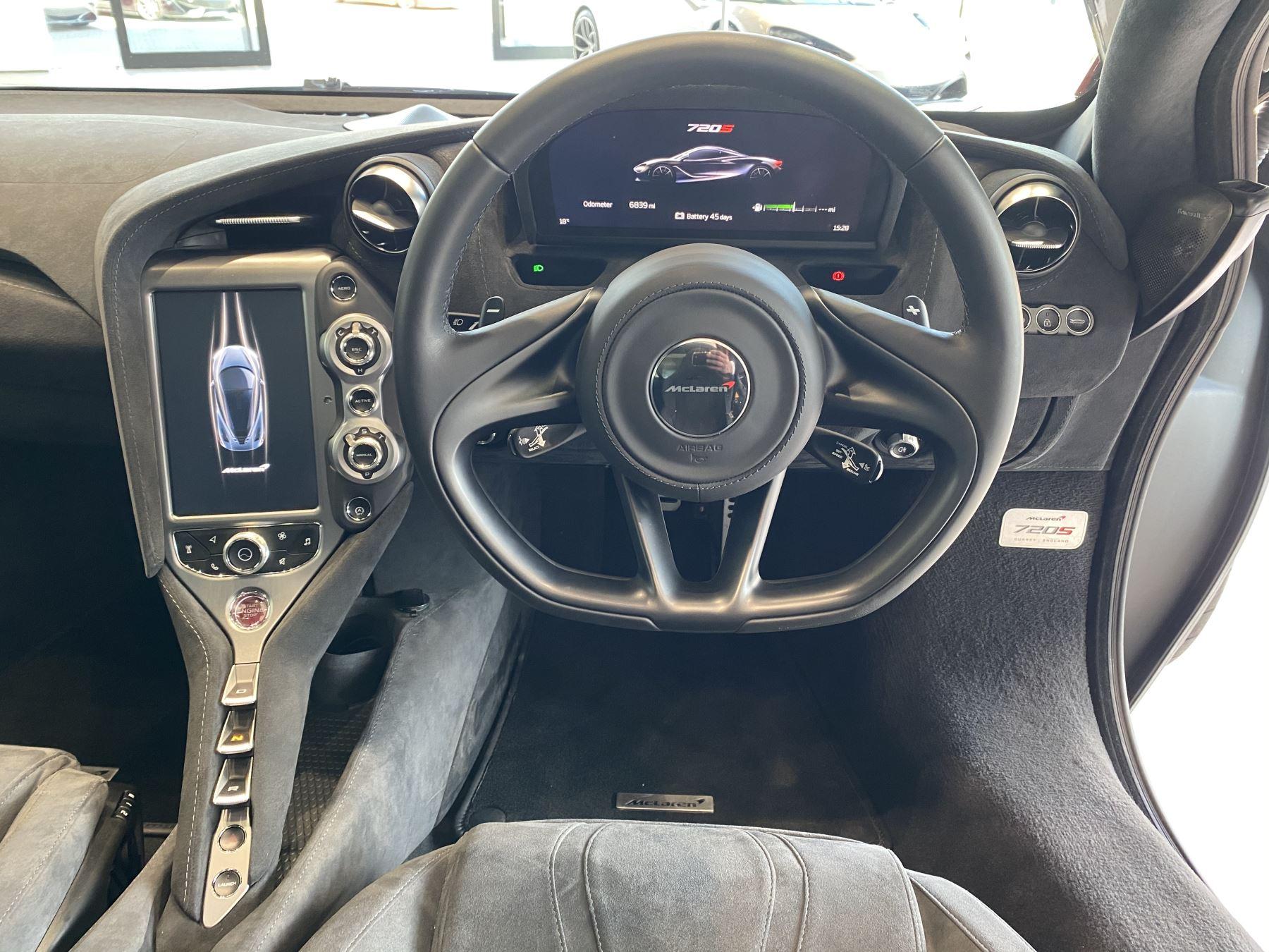 McLaren 720S V8 2dr SSG image 16