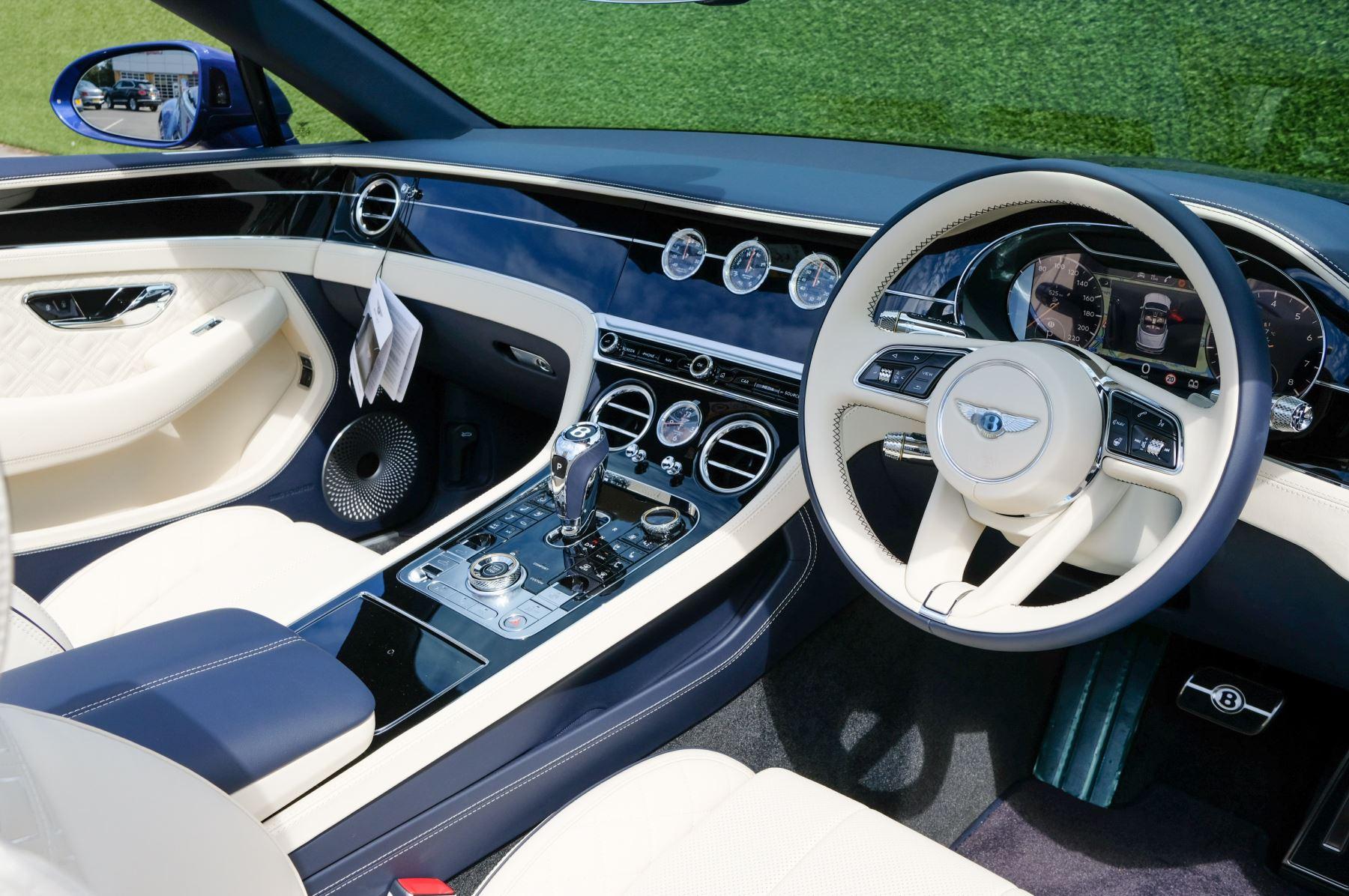 Bentley Continental GTC 4.0 V8 Mulliner Edition 2dr Auto [Tour Spec] image 12