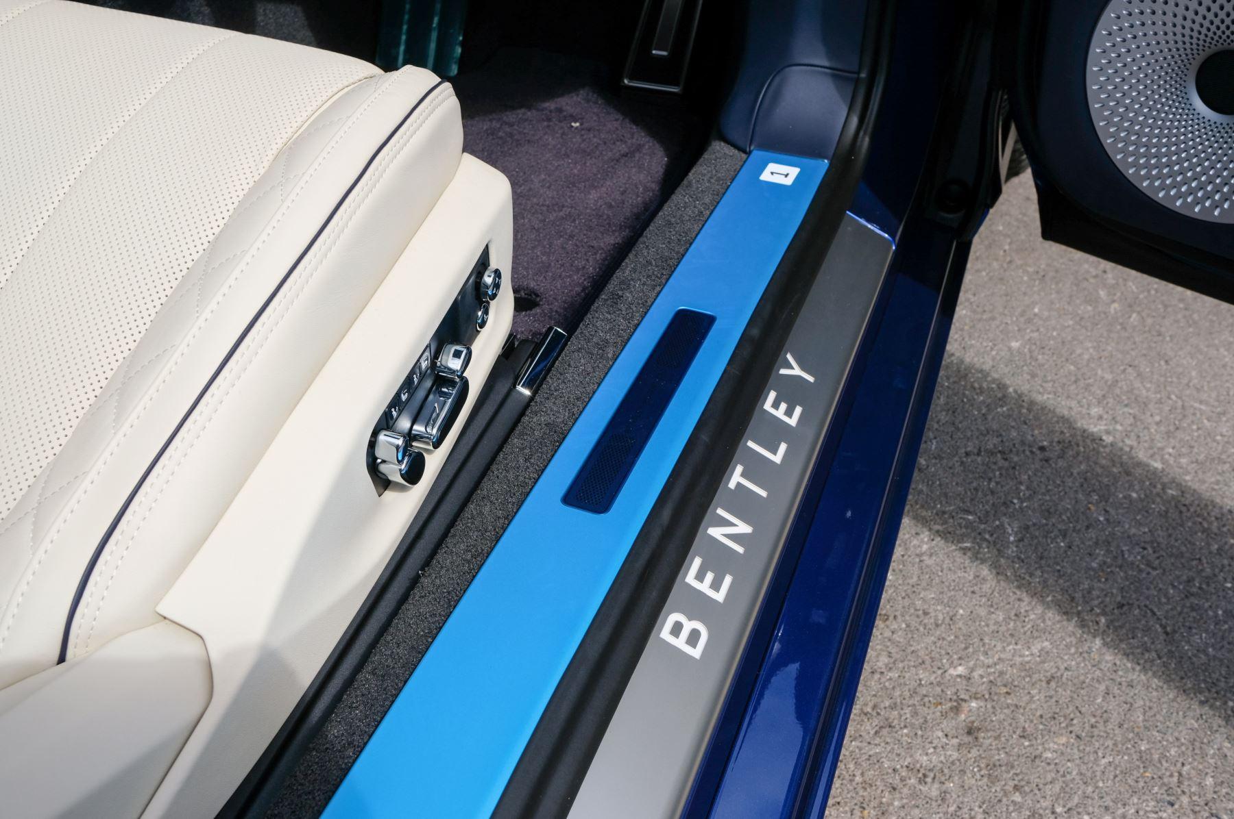 Bentley Continental GTC 4.0 V8 Mulliner Edition 2dr Auto [Tour Spec] image 17
