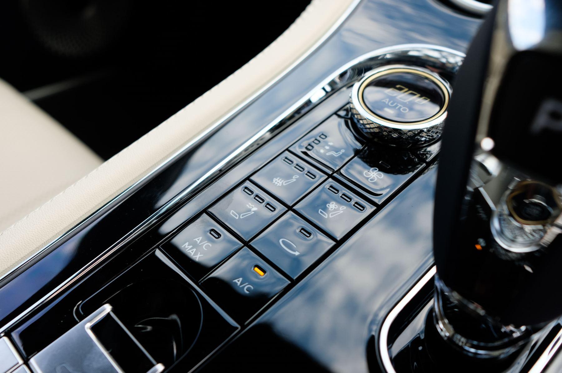 Bentley Continental GTC 4.0 V8 Mulliner Edition 2dr Auto [Tour Spec] image 22
