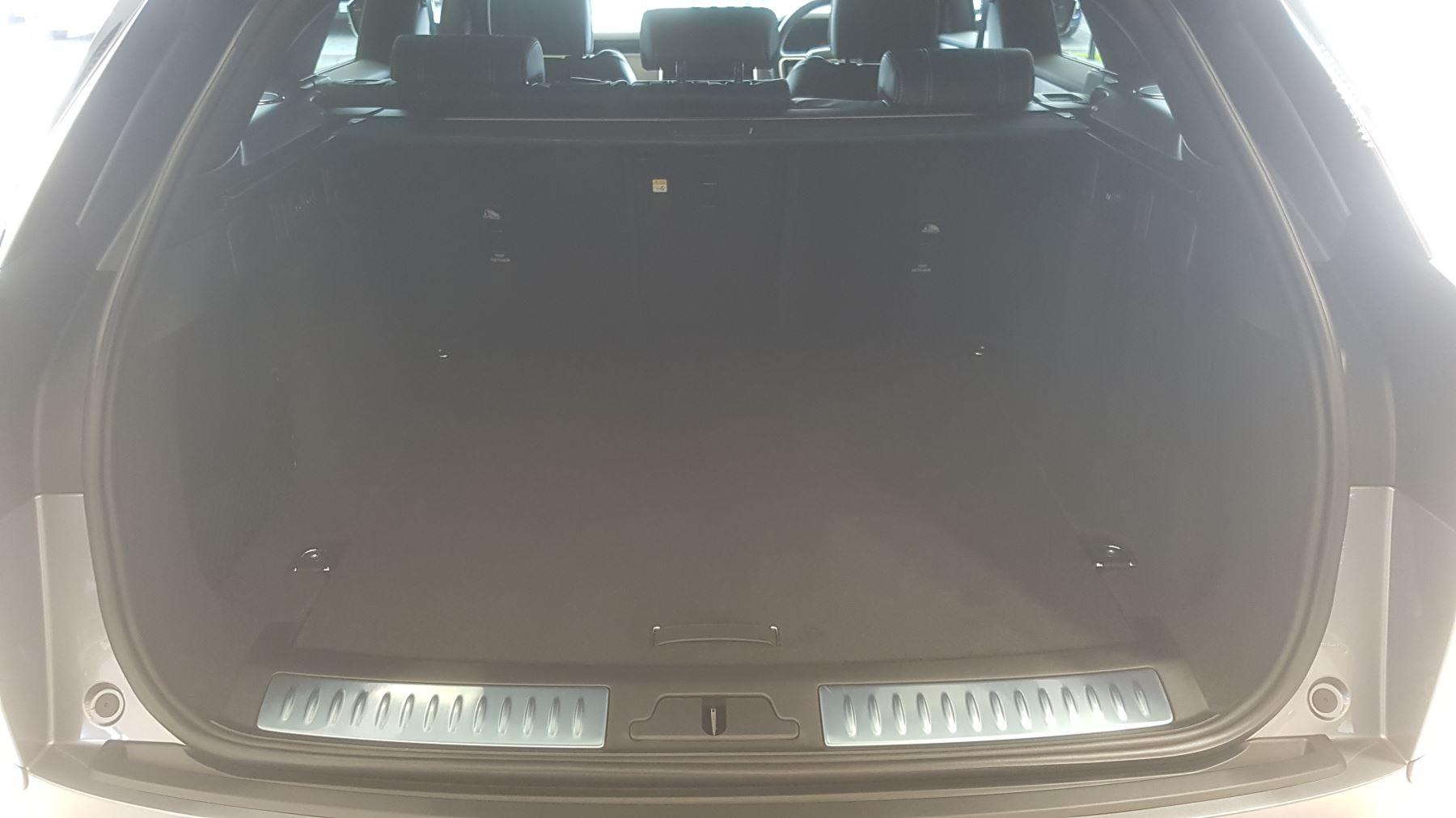 Land Rover Range Rover Velar 3.0 P400 R-Dynamic HSE image 12