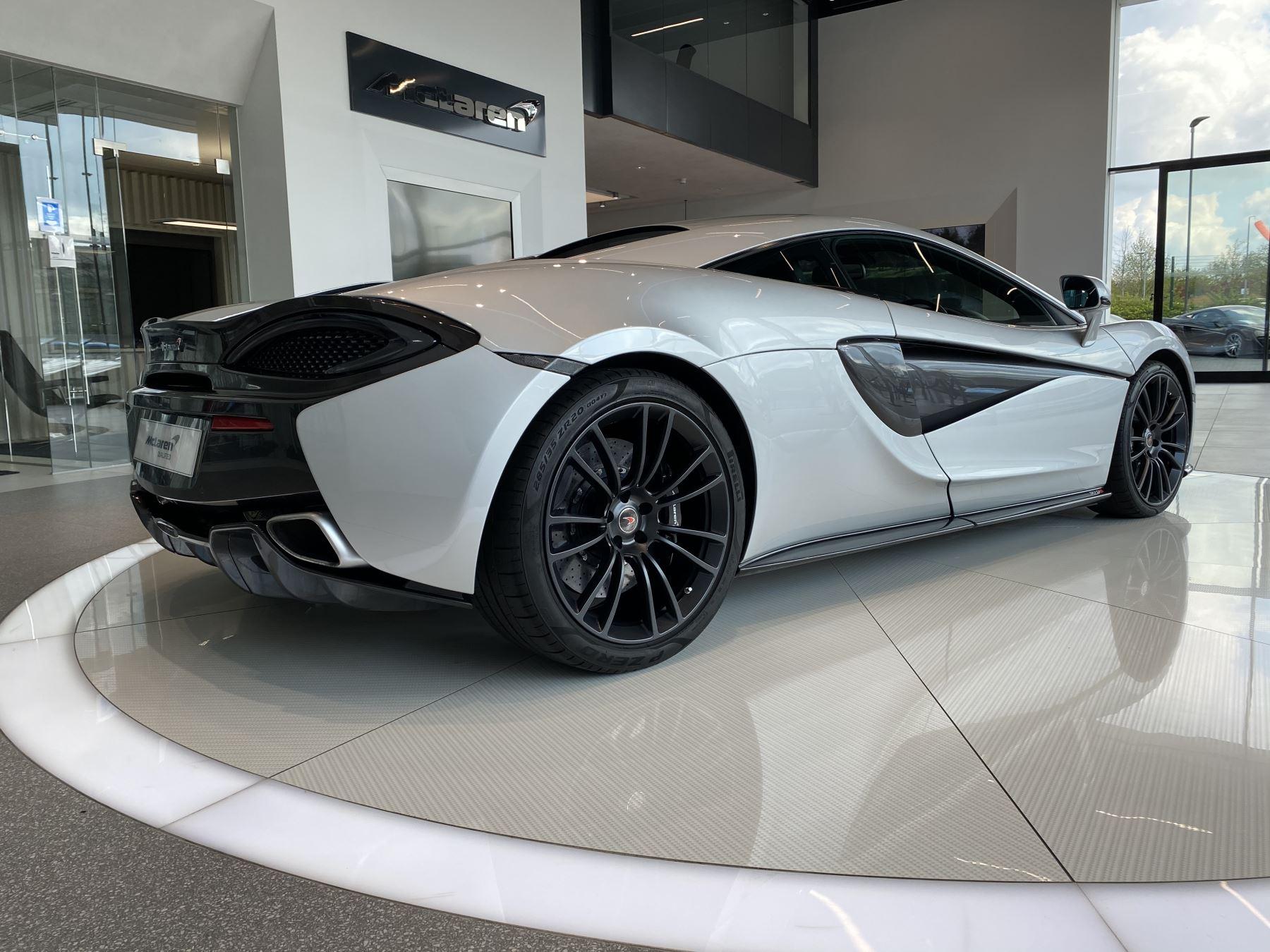 McLaren 570S Coupe V8 2dr SSG image 7