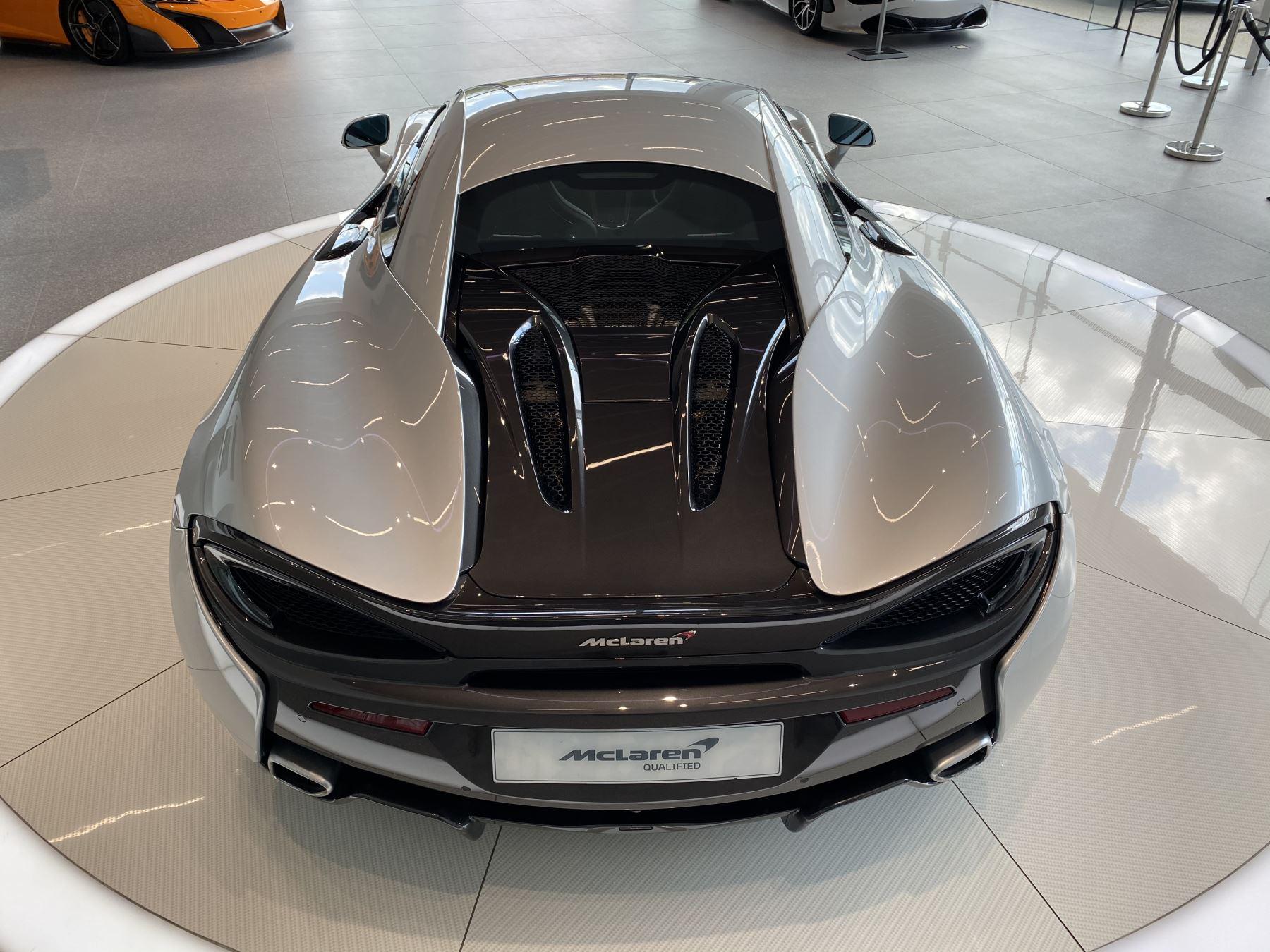 McLaren 570S Coupe V8 2dr SSG image 10