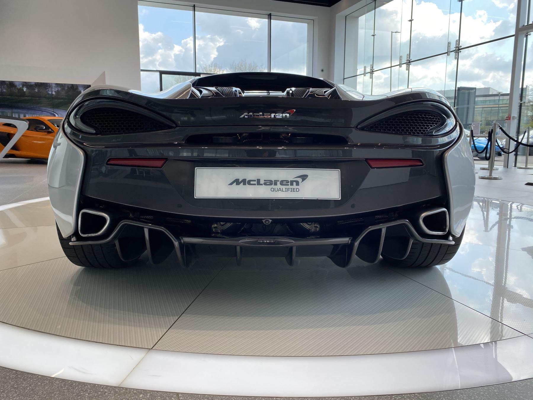 McLaren 570S Coupe V8 2dr SSG image 11