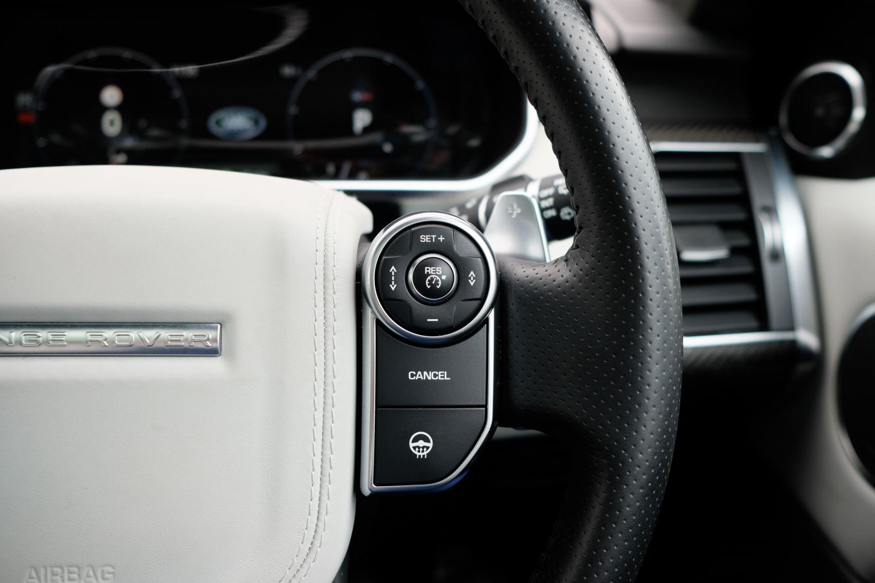 Land Rover Range Rover Sport 5.0 V8 S/C SVR 5dr image 37